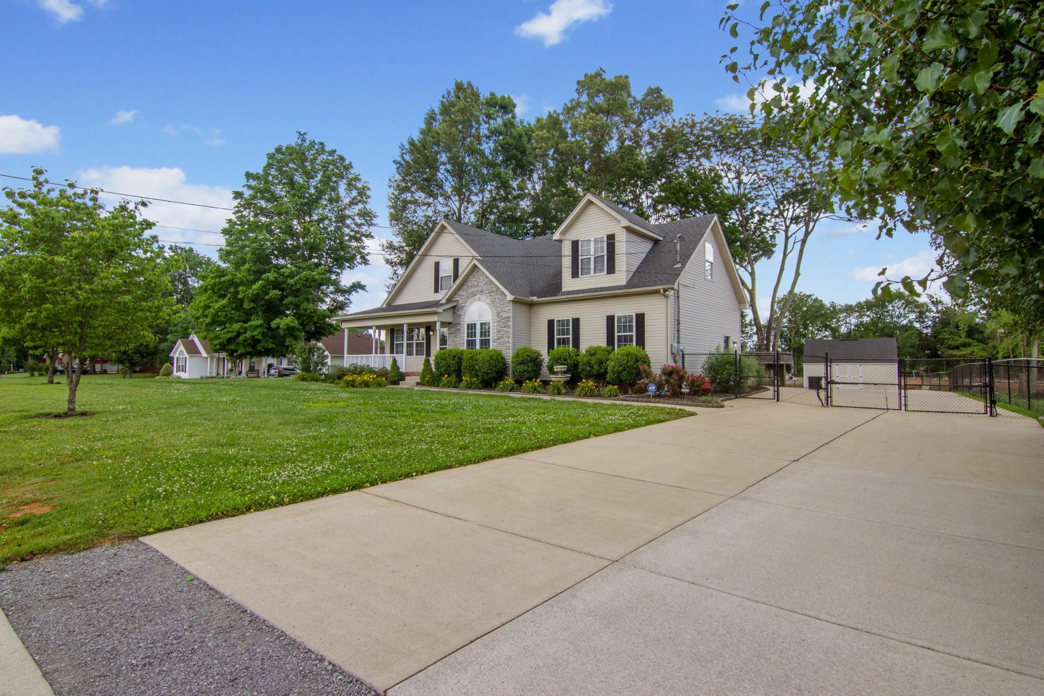 431 Conhocken Ct Property Photo