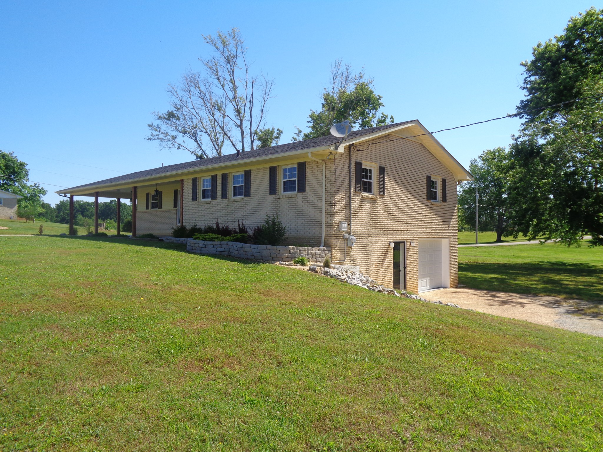 110 Harry Dr Property Photo - Loretto, TN real estate listing