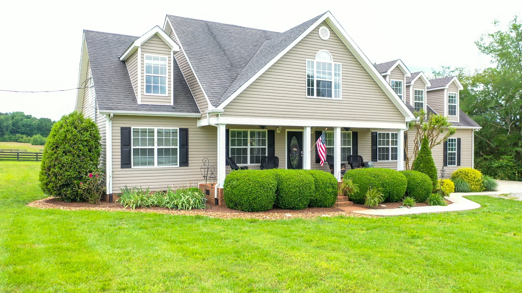 1821 Sawgrass Ln Property Photo - Chapel Hill, TN real estate listing
