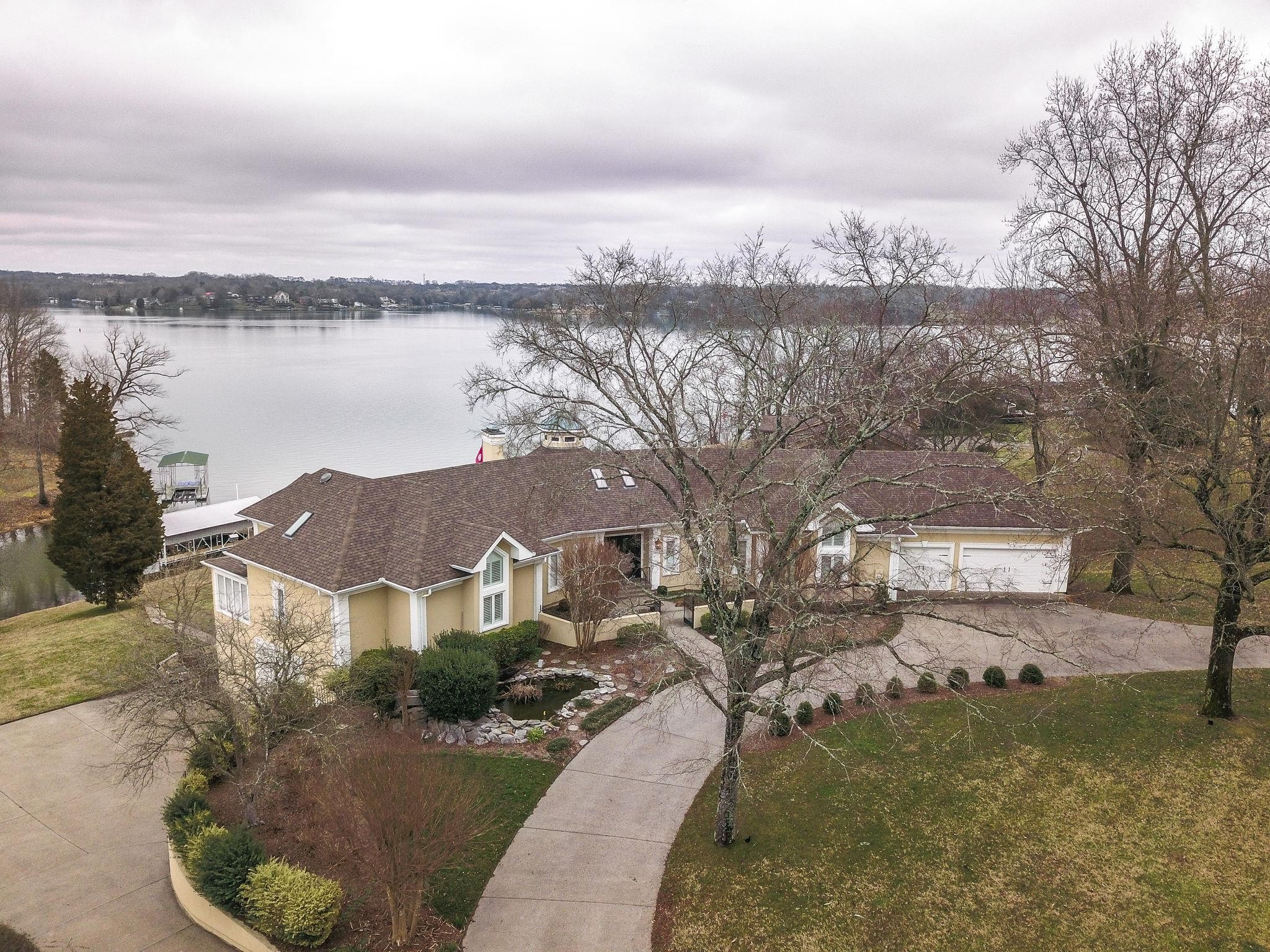 559 Lakeview Circle Property Photo - Mount Juliet, TN real estate listing