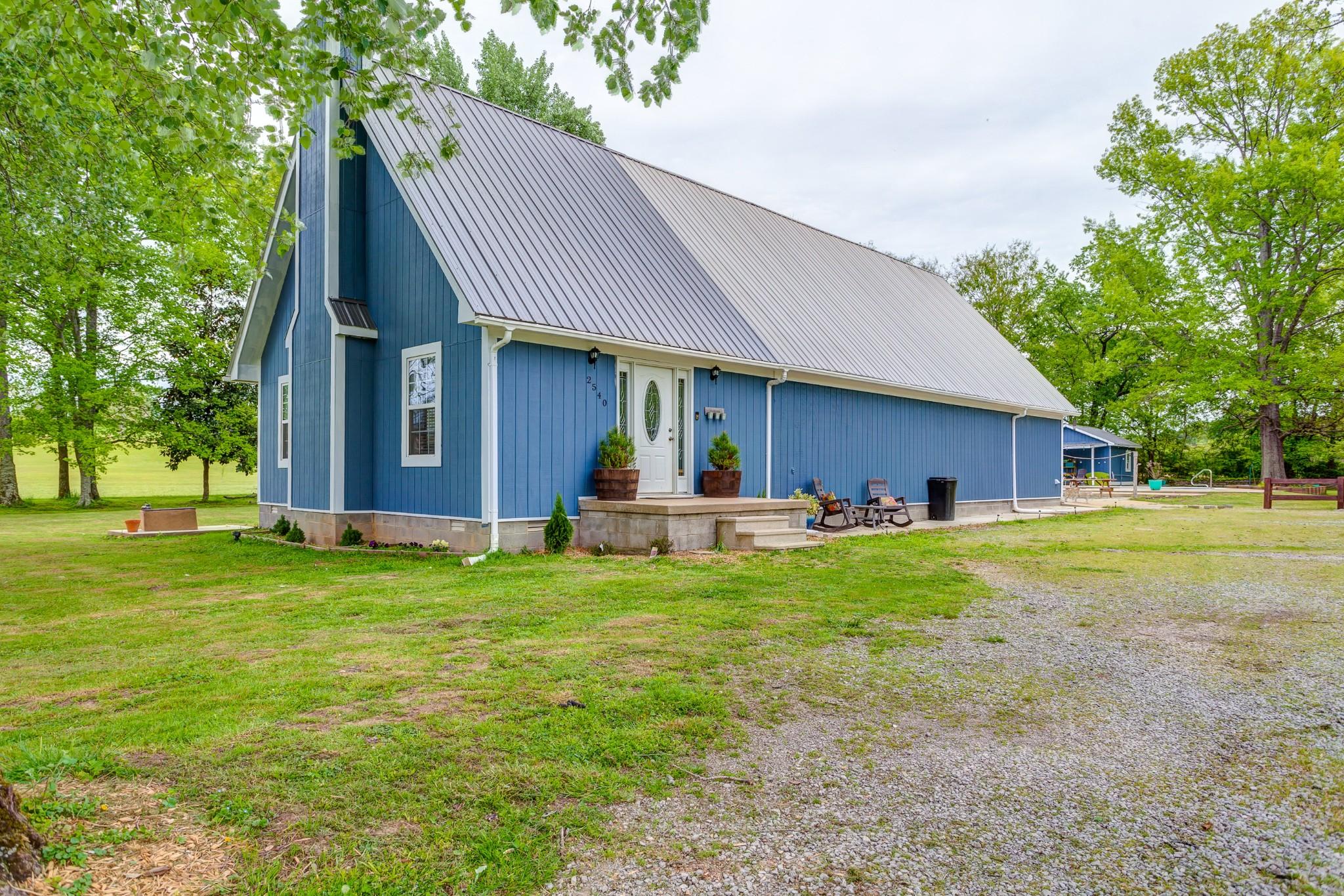 2540 Carl Fox Rd Property Photo - Cornersville, TN real estate listing