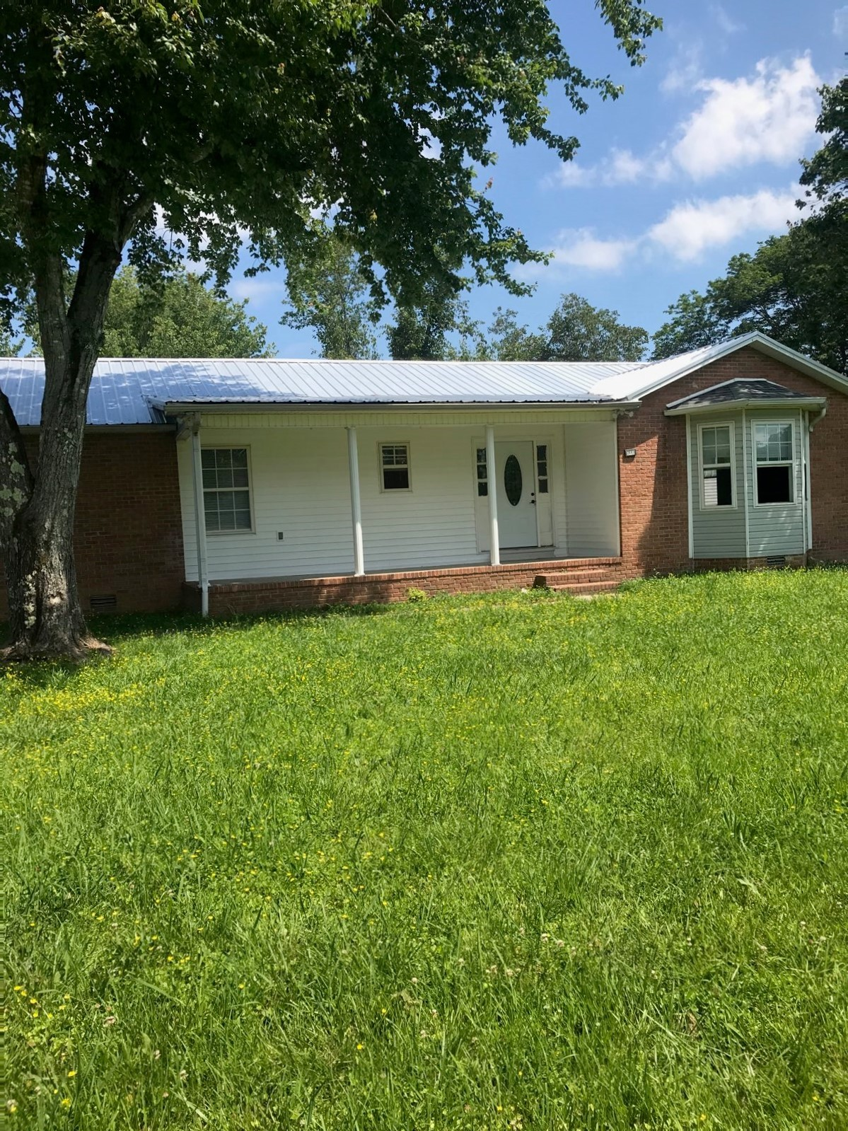 2643 Monroe Floyd Rd Property Photo - Decherd, TN real estate listing