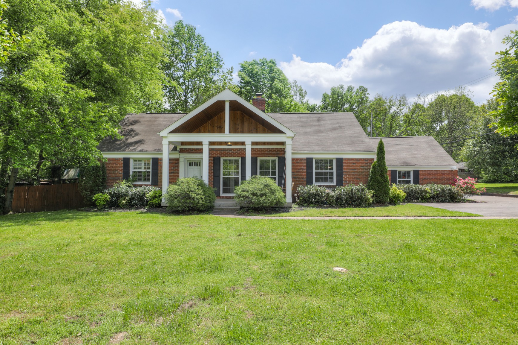 833 Woodmont Blvd Property Photo - Nashville, TN real estate listing