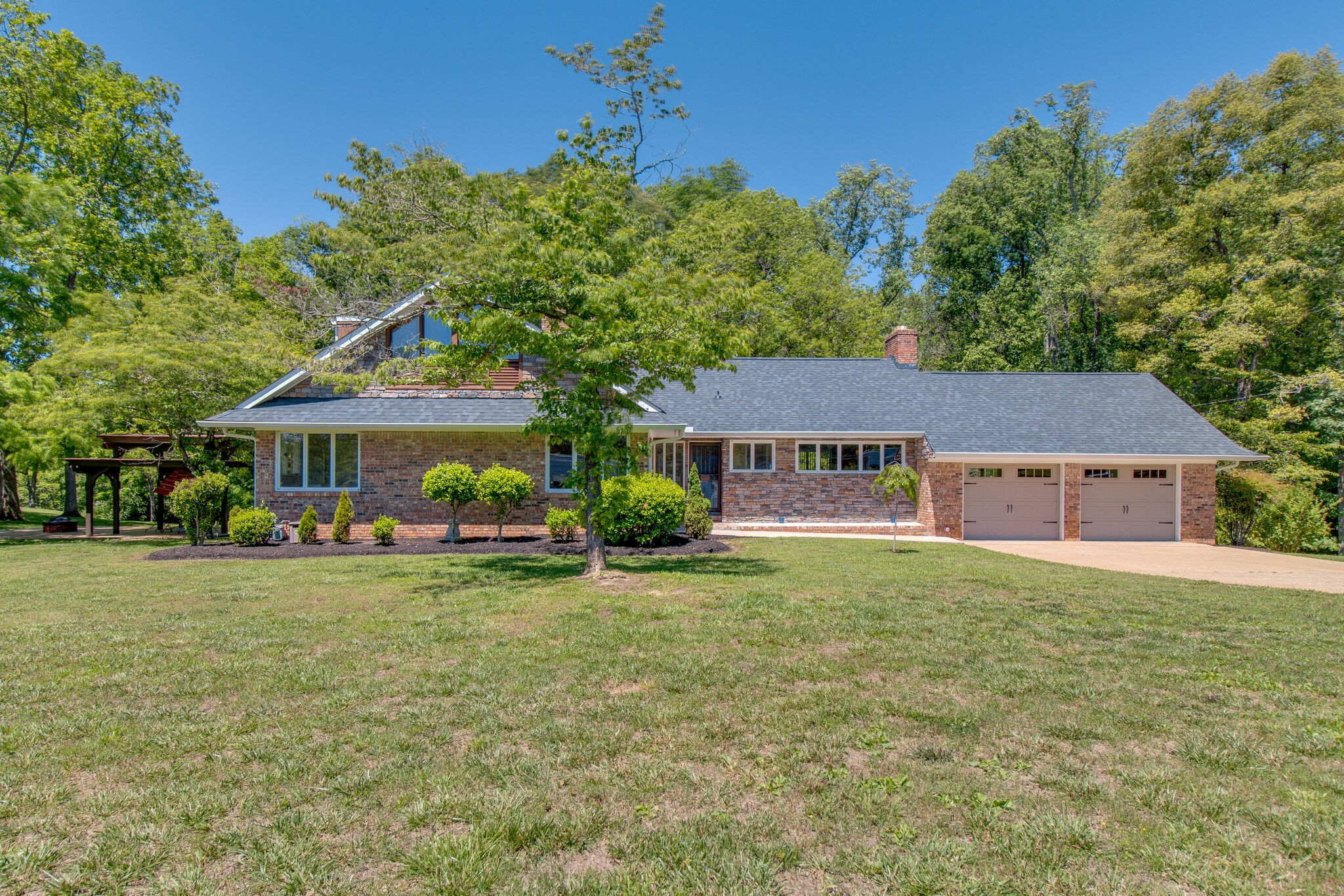 997 Highway 100 Property Photo - Centerville, TN real estate listing