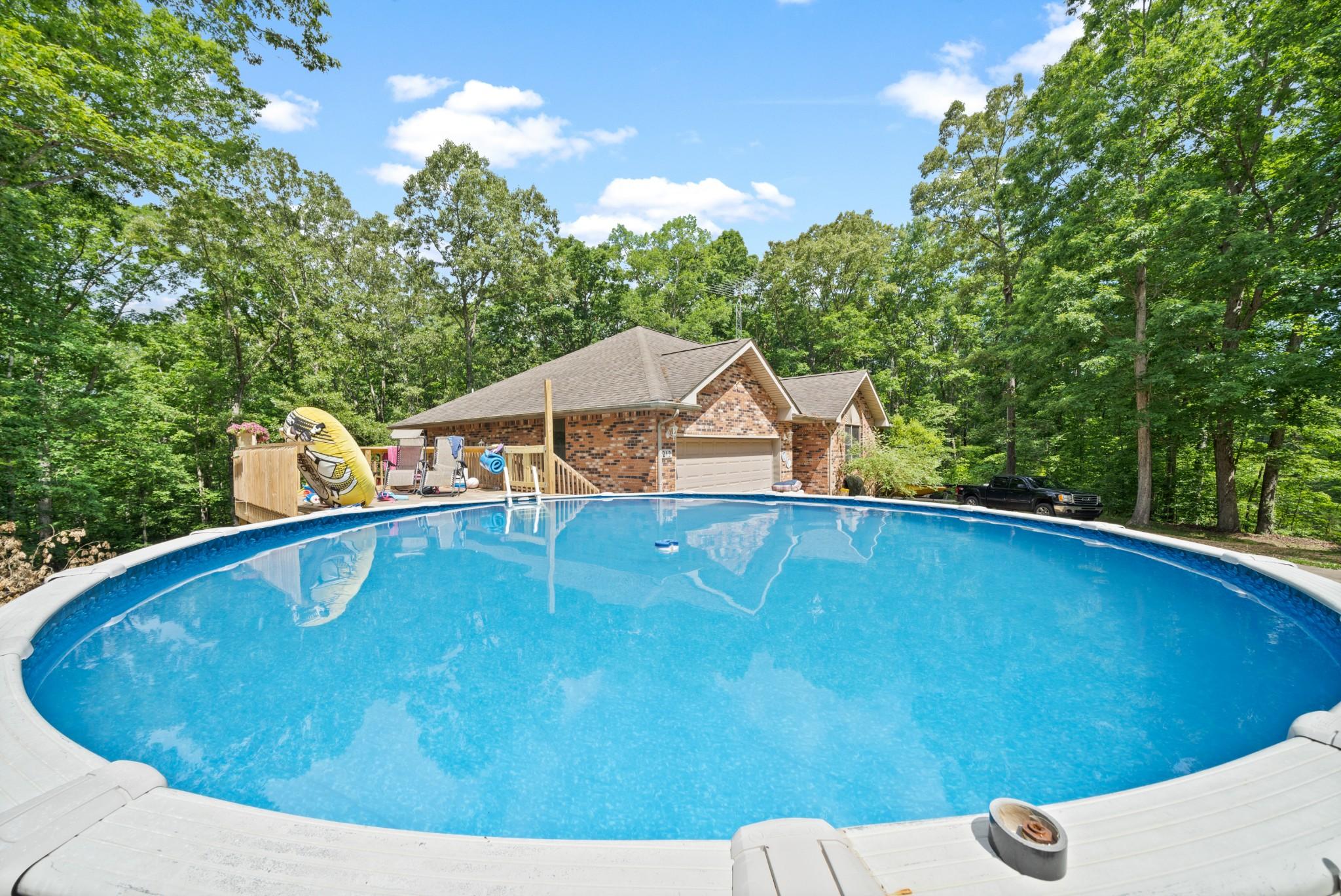212 Sugar Maple Dr Property Photo - Dover, TN real estate listing