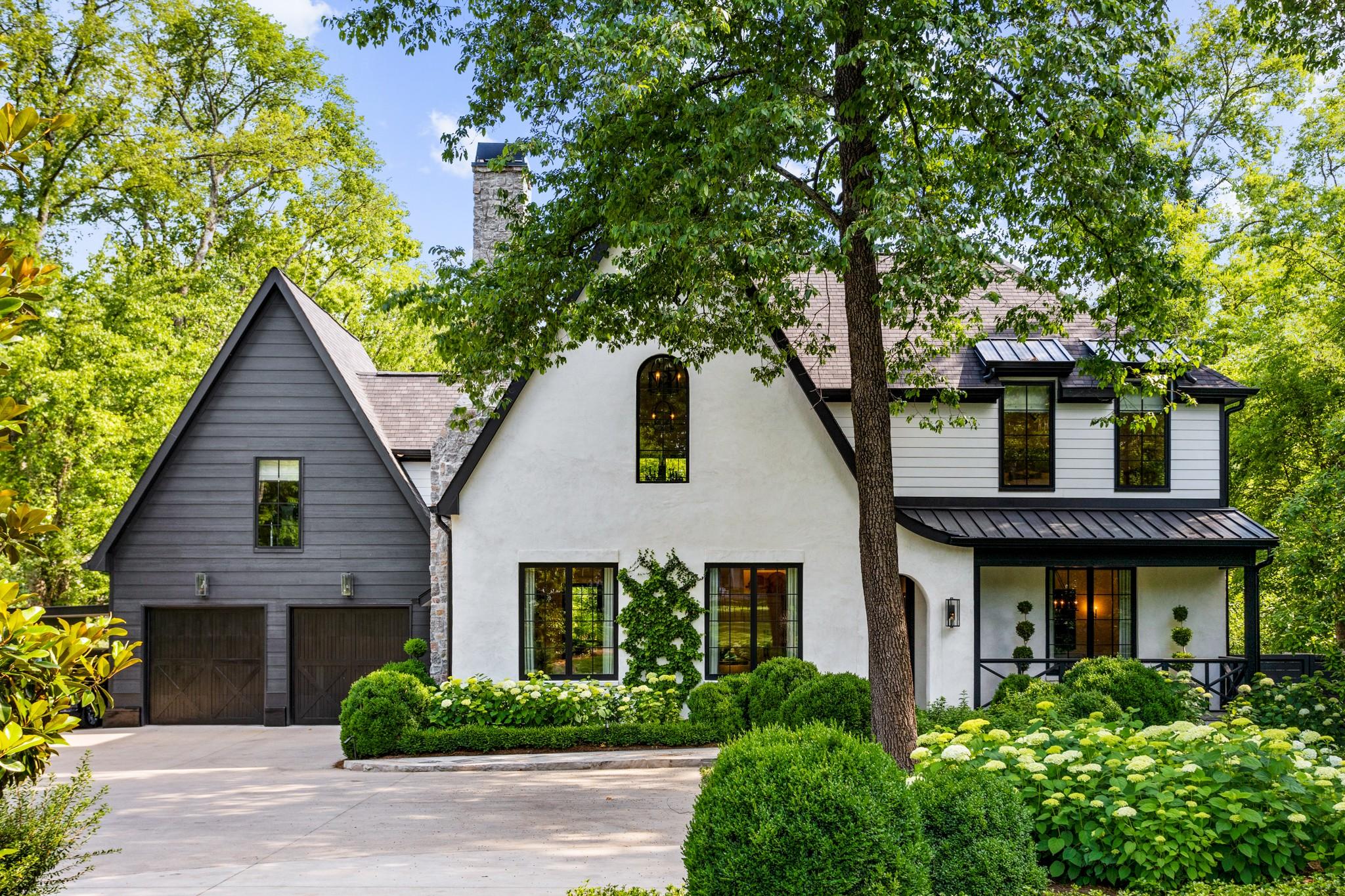 909 Glendale Ln Property Photo