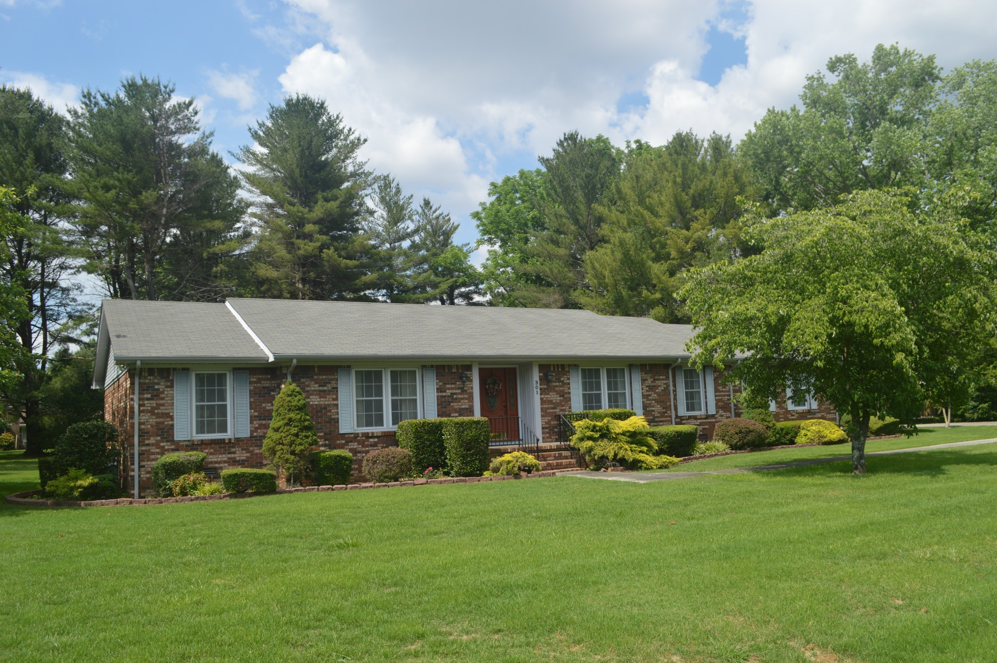 301 Wood Bluff Rd Property Photo - Winchester, TN real estate listing