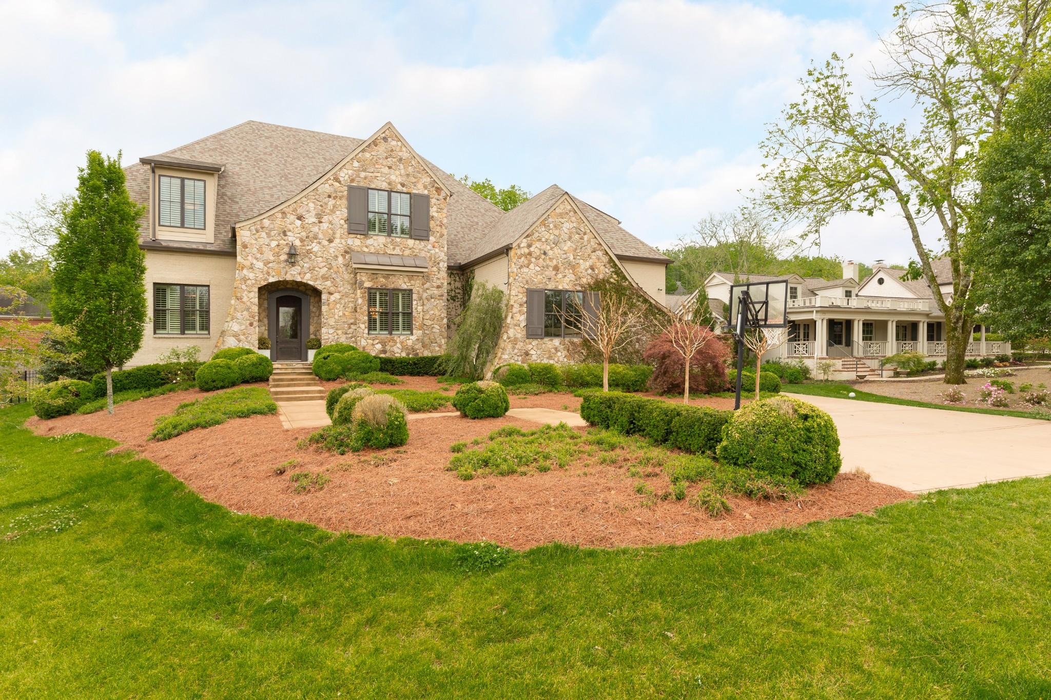 808 Lynnwood Blvd Property Photo - Nashville, TN real estate listing
