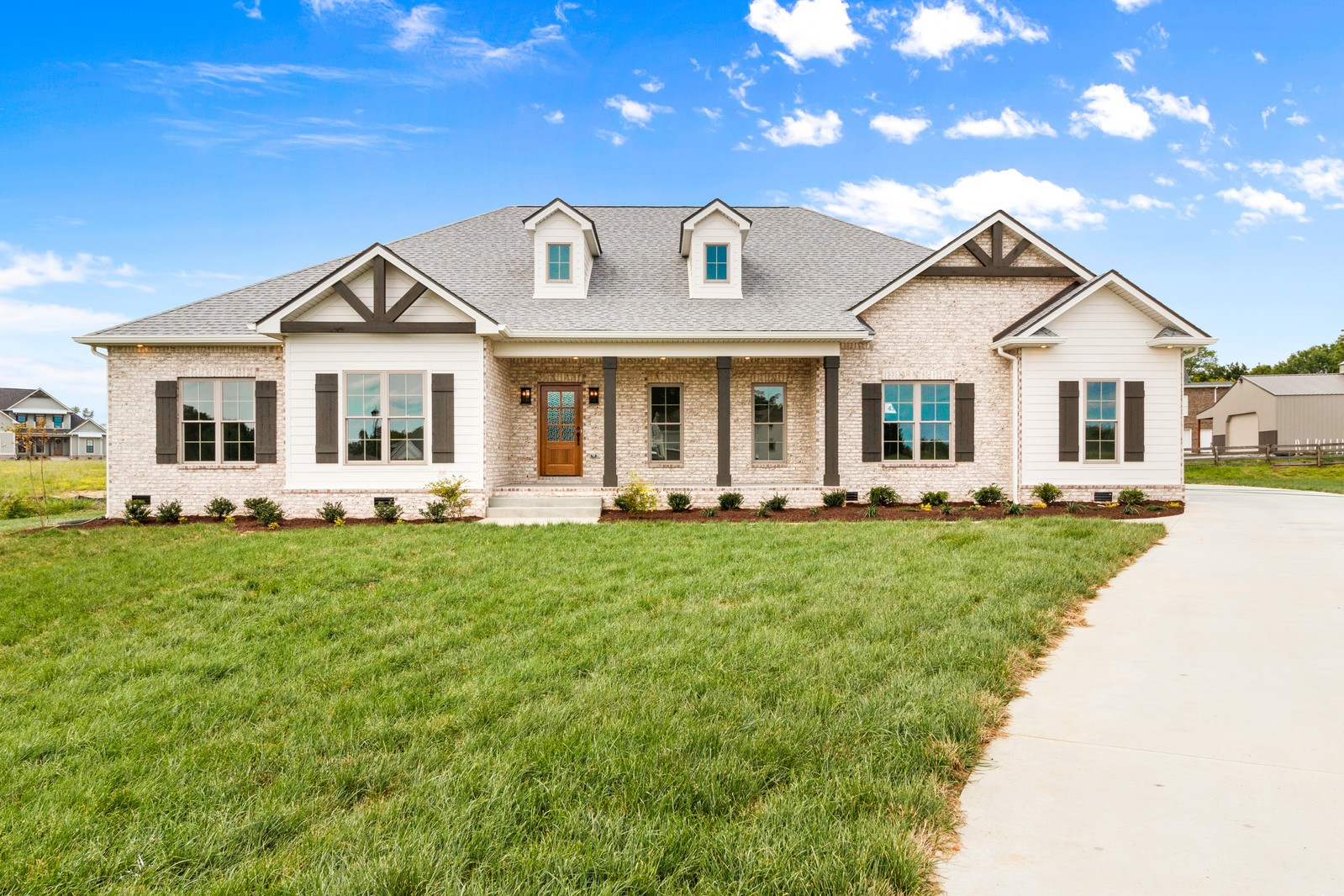 136 Sawyer Ct Property Photo - Clarksville, TN real estate listing