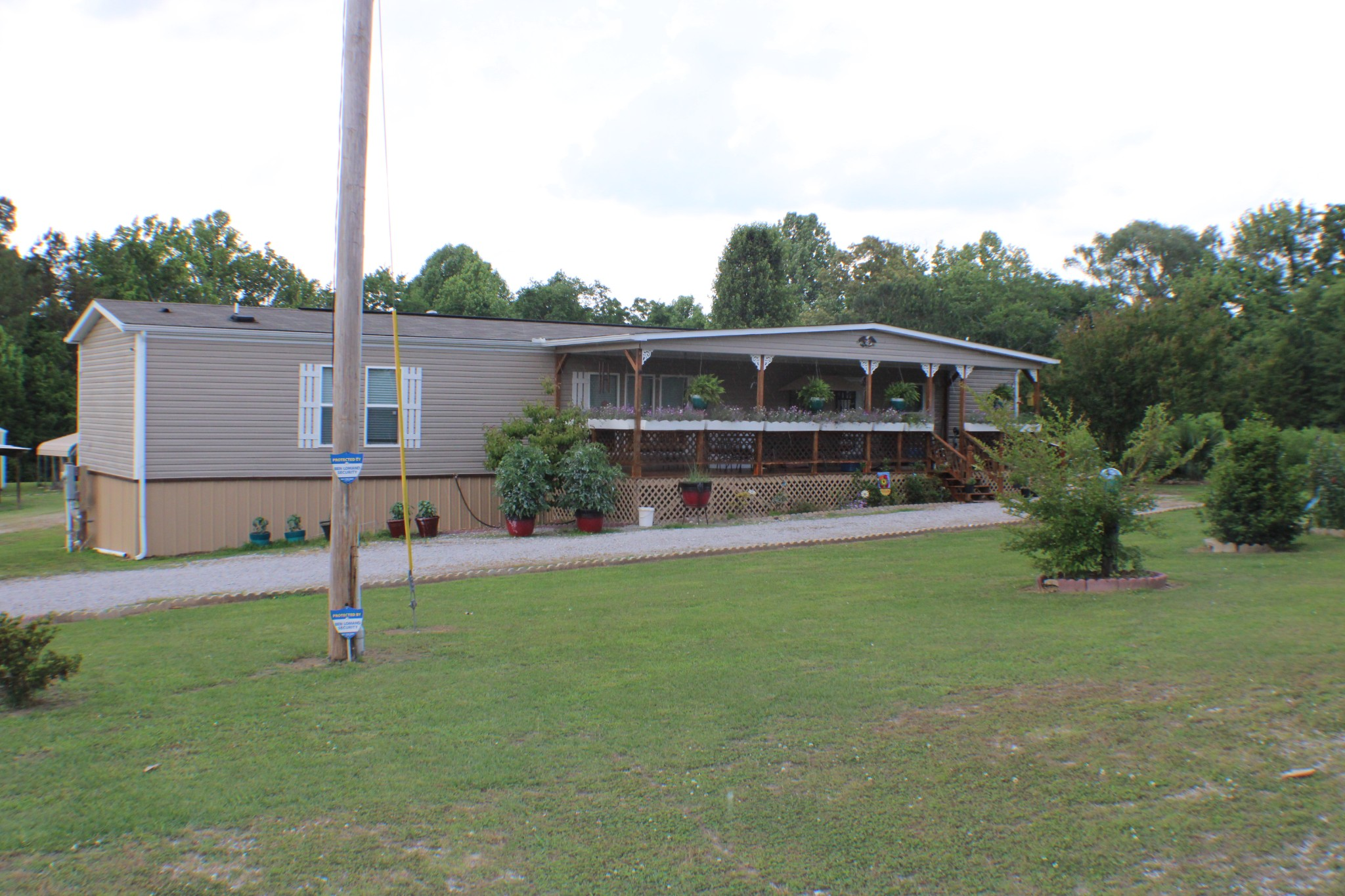 1202 E Cole Rd Property Photo - Quebeck, TN real estate listing