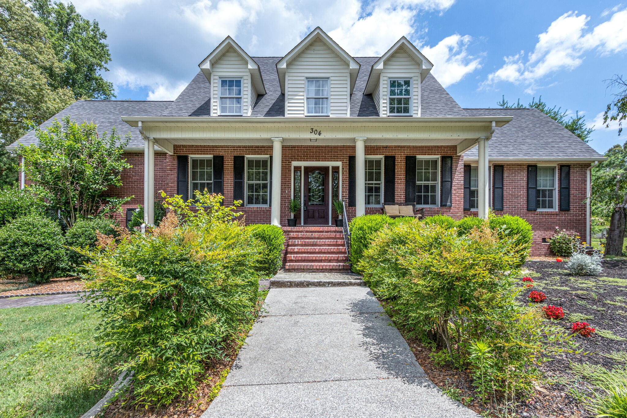 304 Lake Hills Rd Property Photo