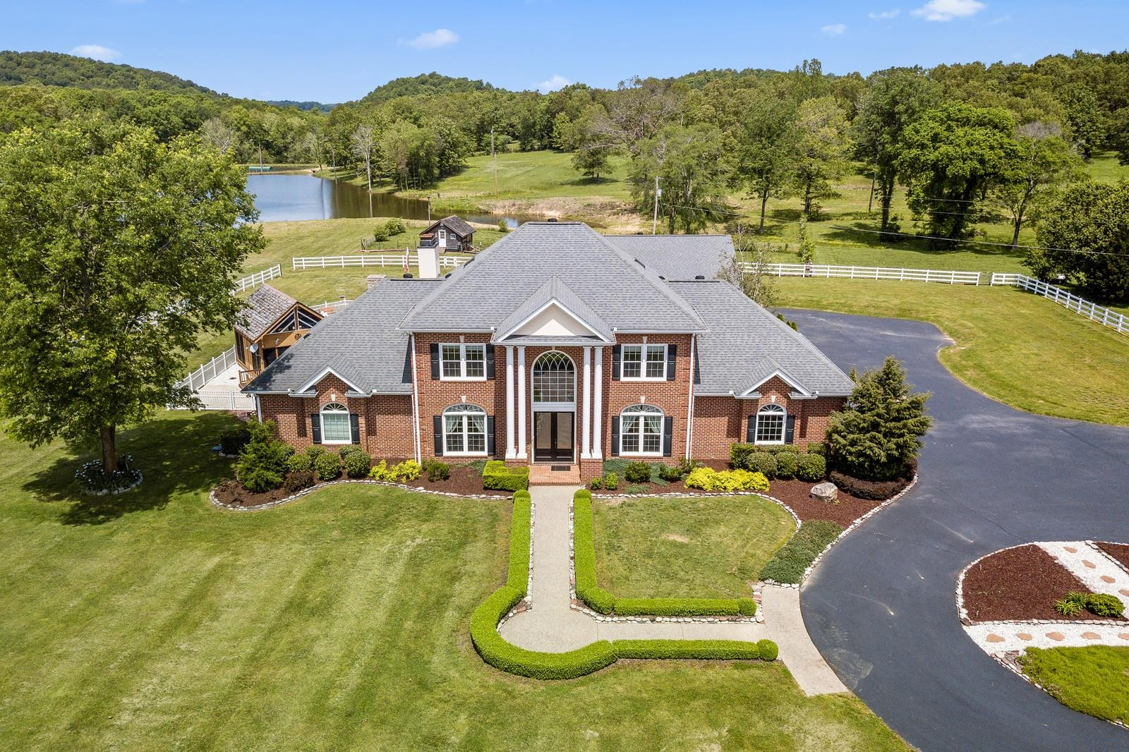 1626 Highway 70 Property Photo - Kingston Springs, TN real estate listing