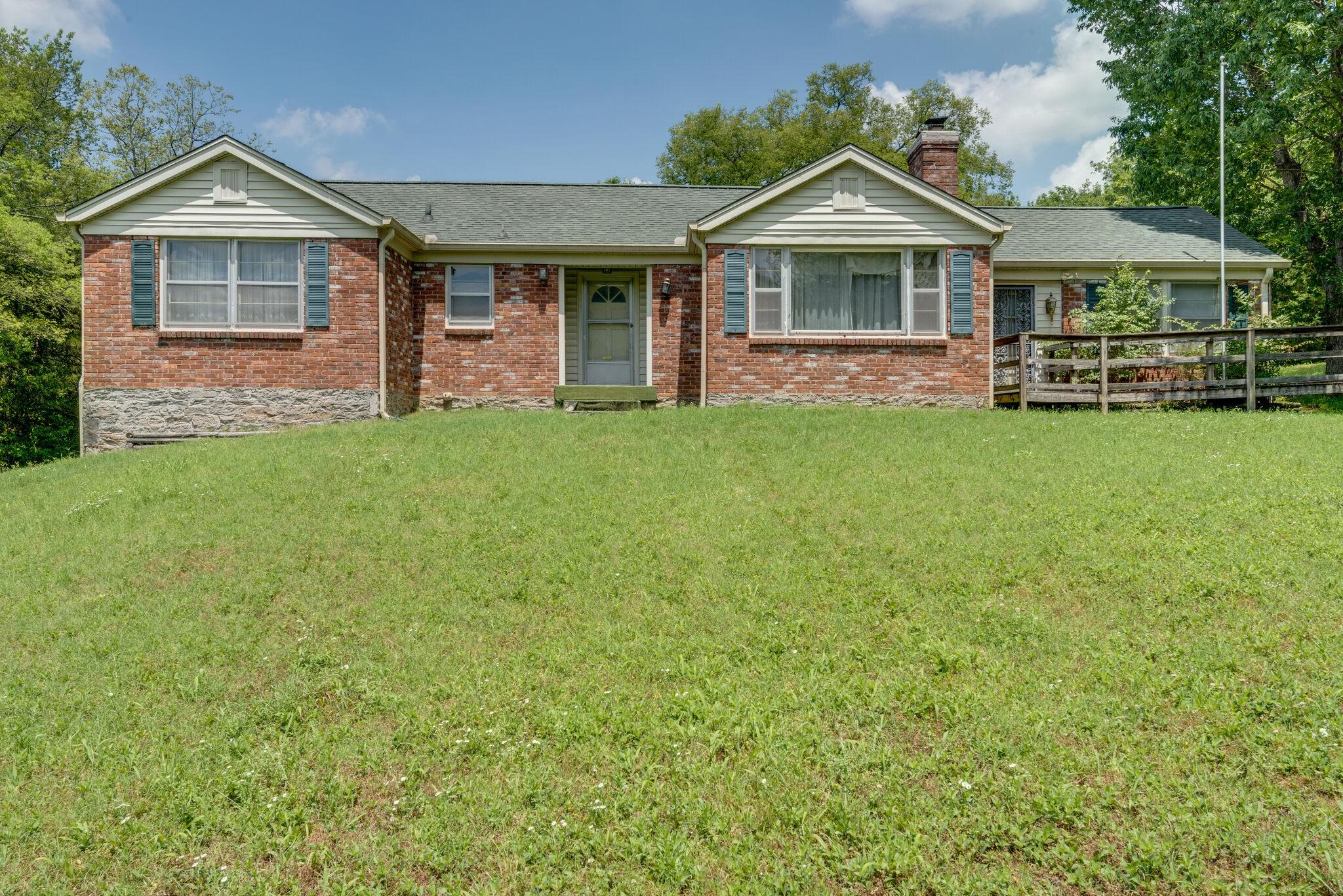 7330 Charlotte Pike Property Photo - Nashville, TN real estate listing