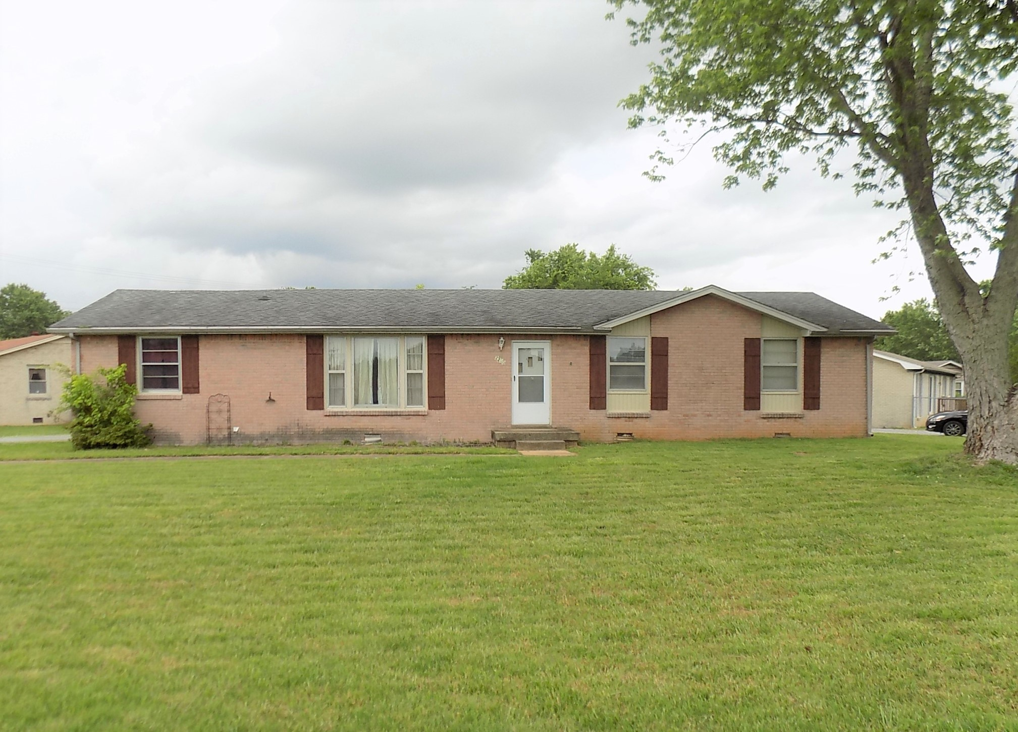 2200 Pendleton Drive Property Photo - Clarksville, TN real estate listing