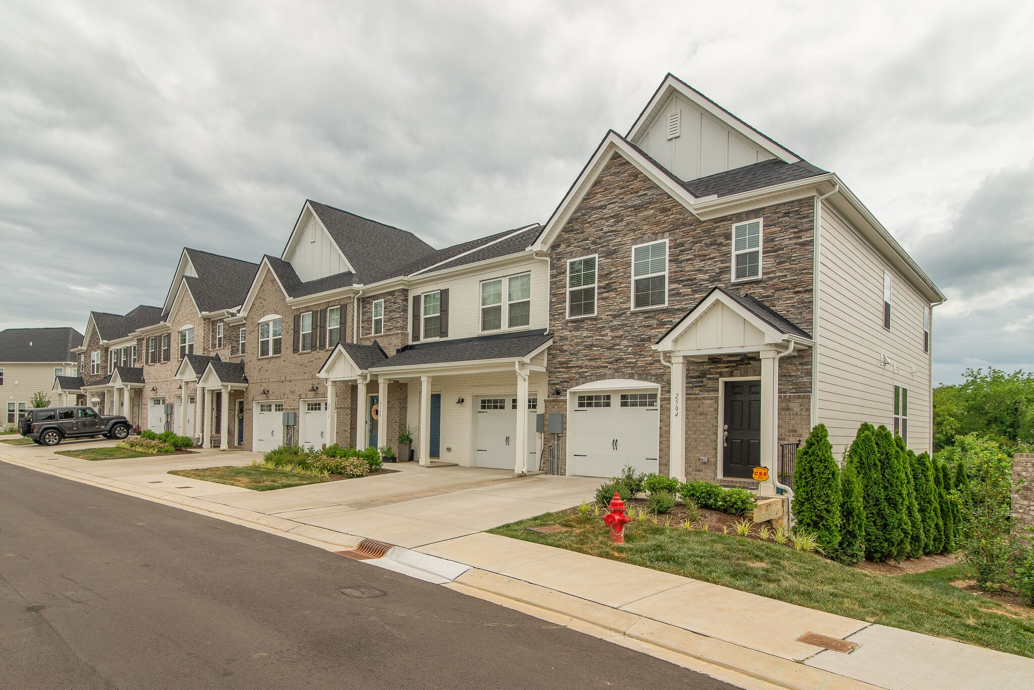 2520 Newsome Mill Ln Property Photo - Nashville, TN real estate listing