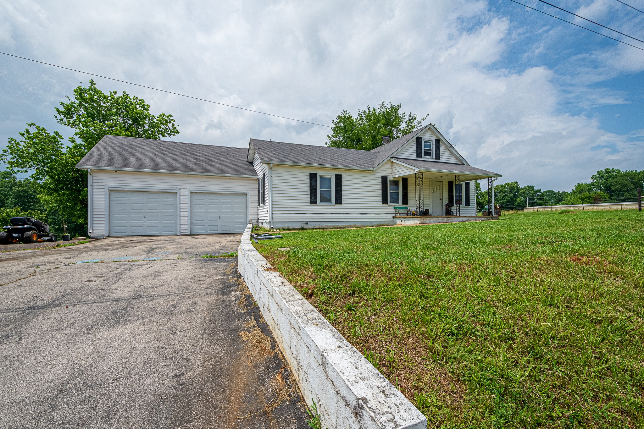 6586 Minor Hill Hwy Property Photo - Goodspring, TN real estate listing