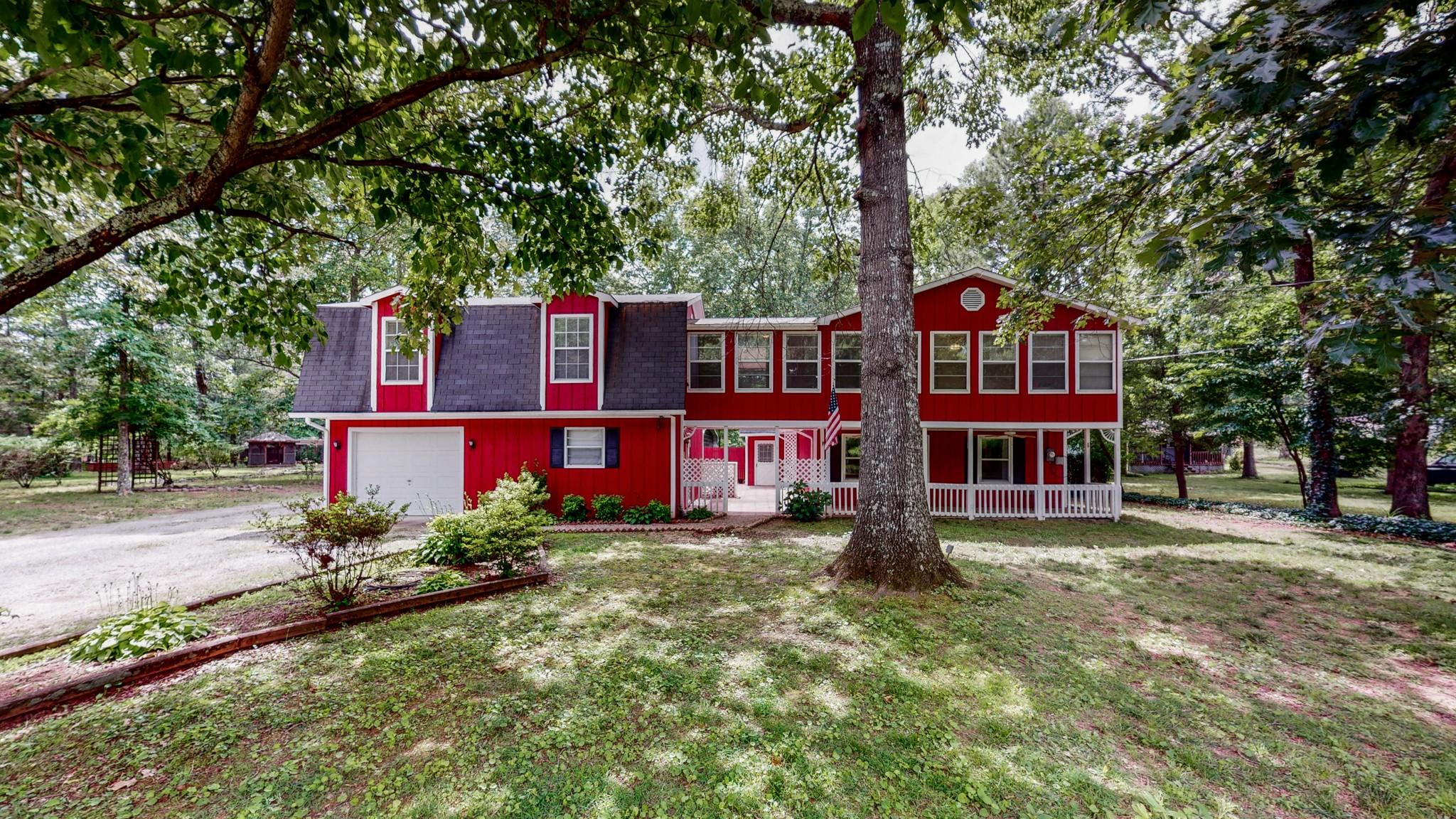 615 Lakeshore Drive Property Photo - Beechgrove, TN real estate listing