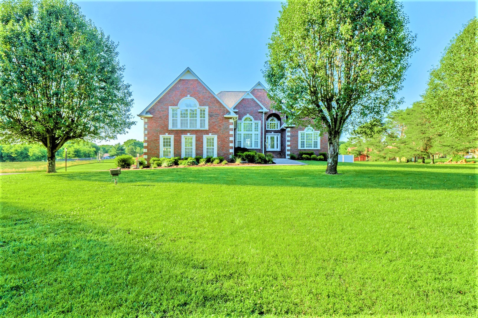 842 Shun Pike Property Photo - Cottontown, TN real estate listing