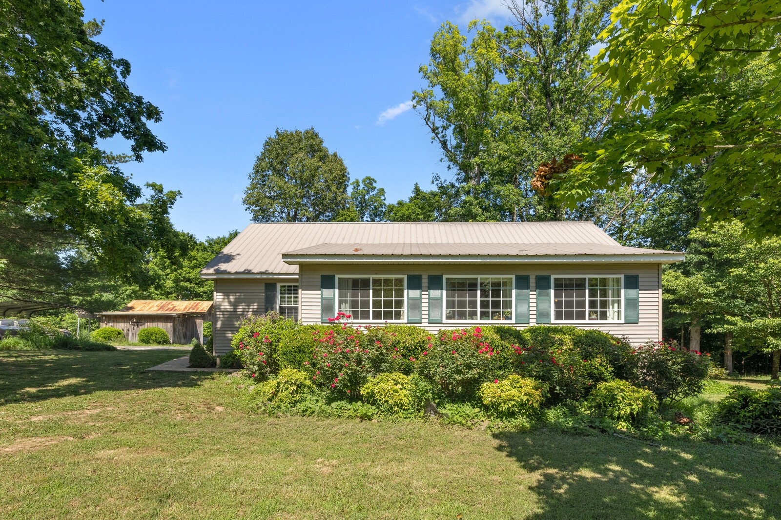 6979 Highway 230 Property Photo - Lyles, TN real estate listing