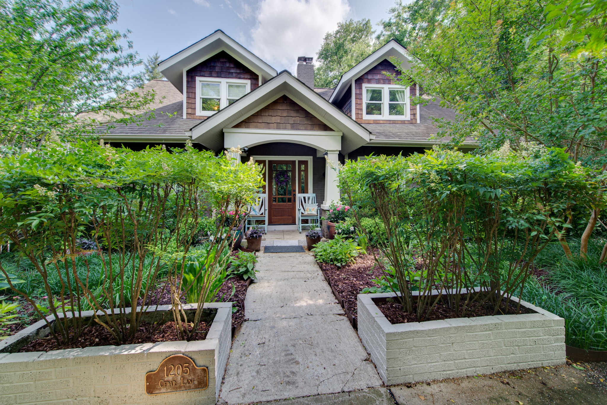 1205 Cedar Ln Property Photo - Nashville, TN real estate listing