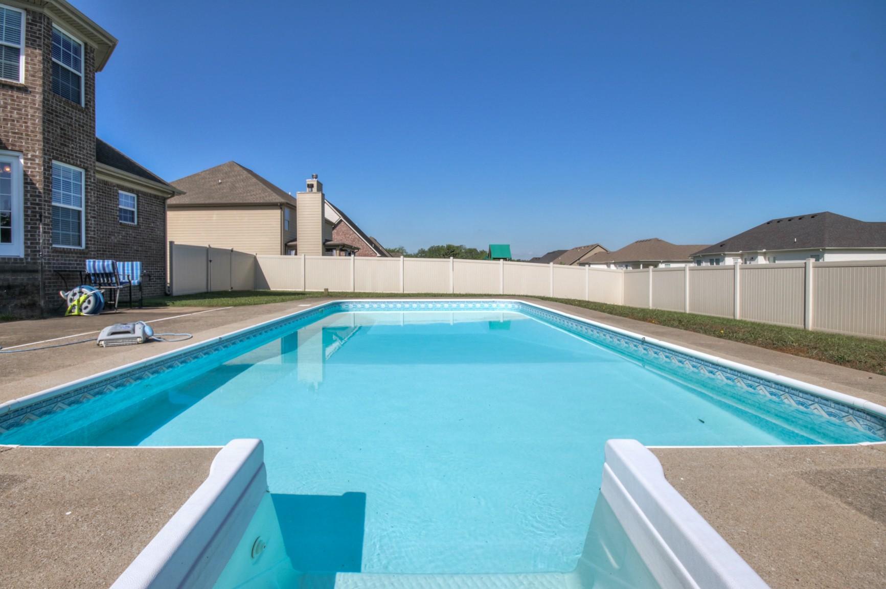 2329 Fox Creek Dr Property Photo - Murfreesboro, TN real estate listing