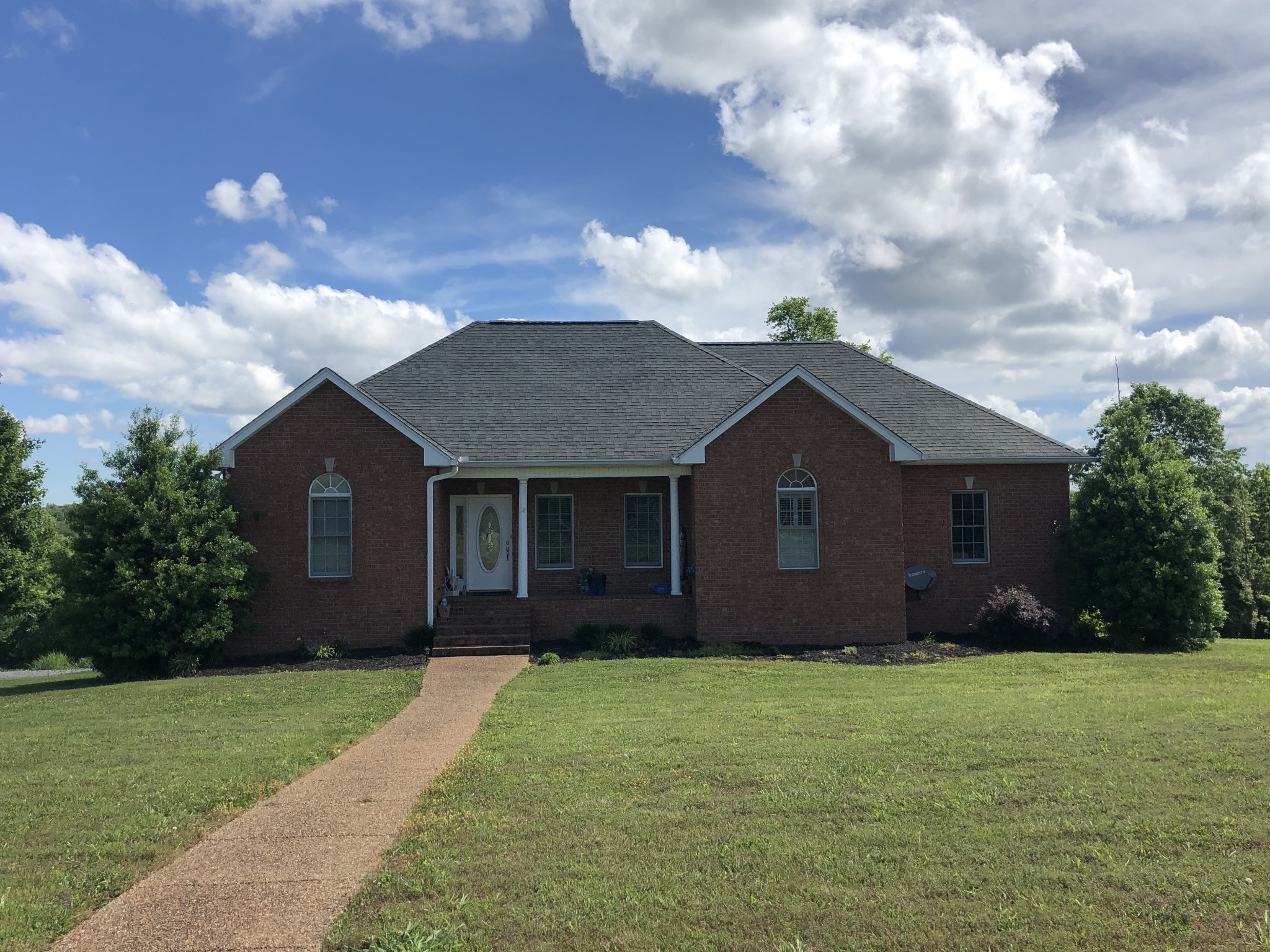 1012 Tom Mabrey Dr Property Photo - Castalian Springs, TN real estate listing
