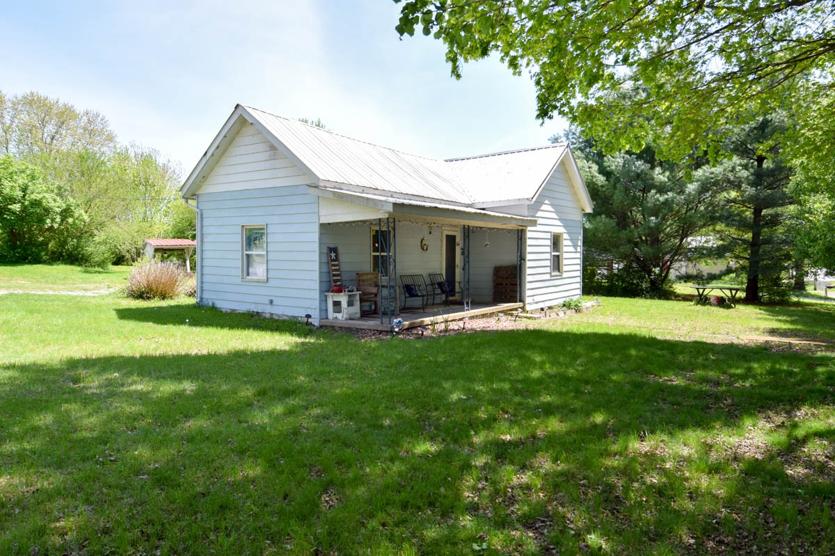1134 Pleasant Grove Rd Property Photo - Westmoreland, TN real estate listing