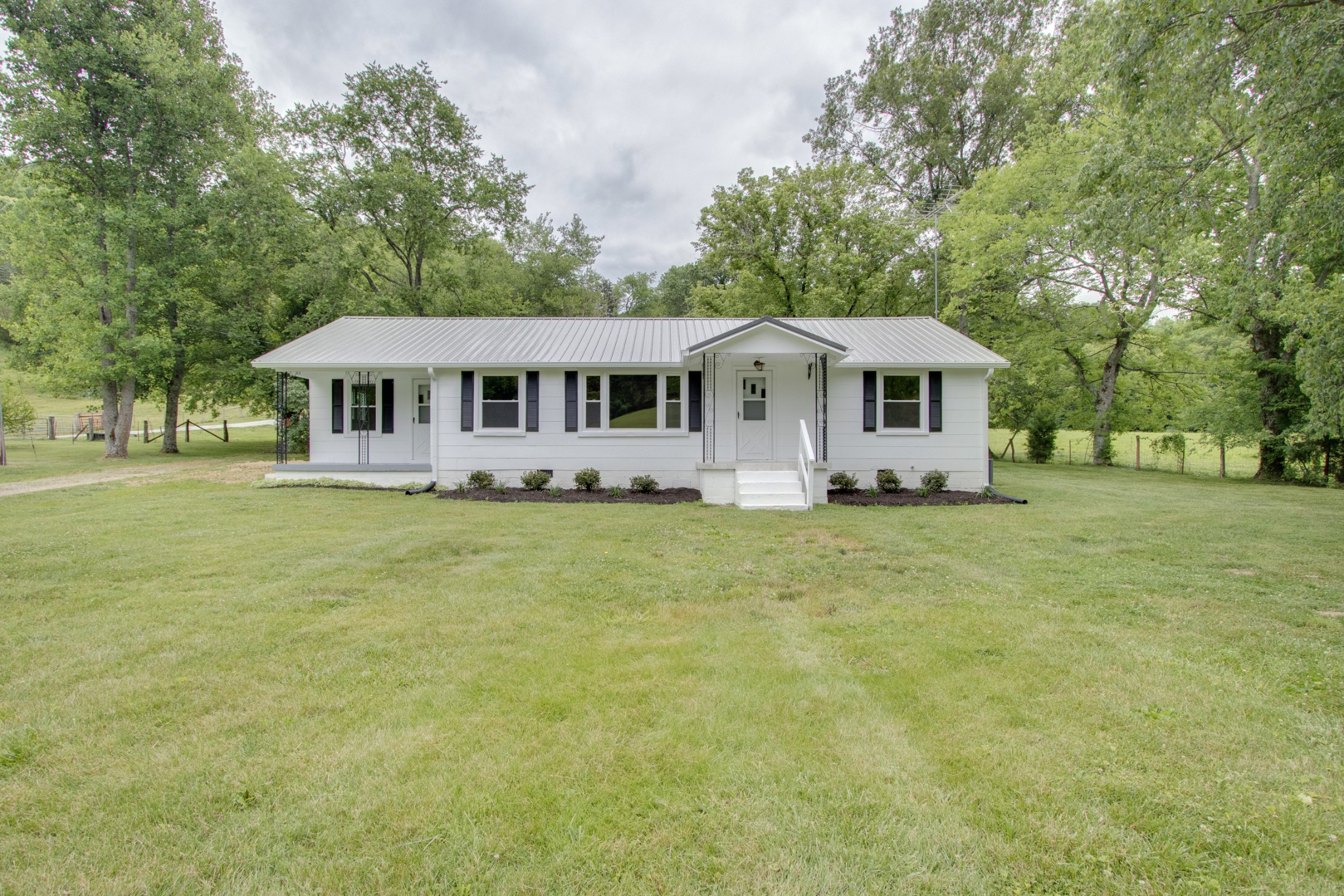 8929 Golden Hollow Road Property Photo - Dixon Springs, TN real estate listing