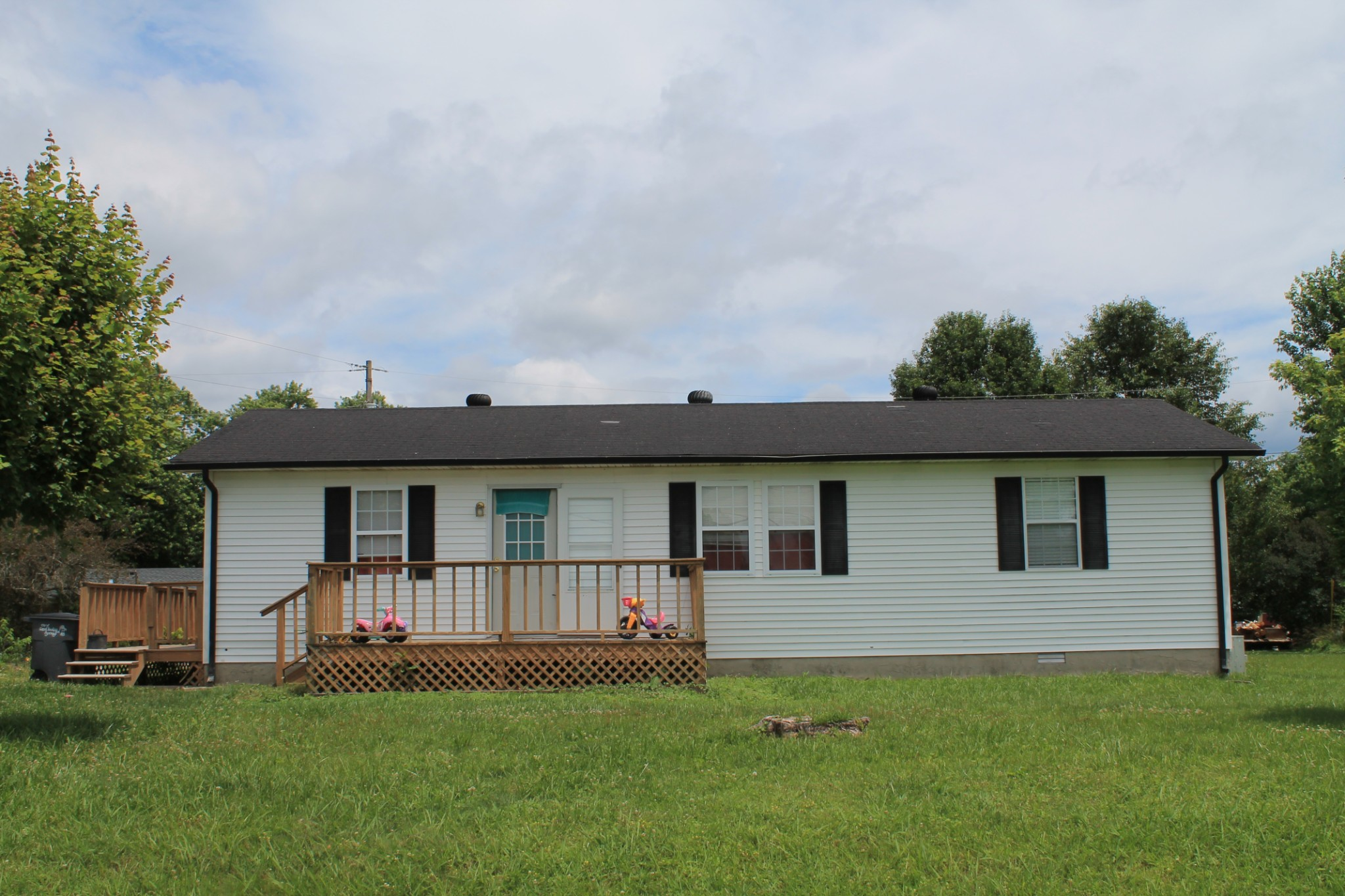 1481 Carthage Rd Property Photo - Red Boiling Springs, TN real estate listing