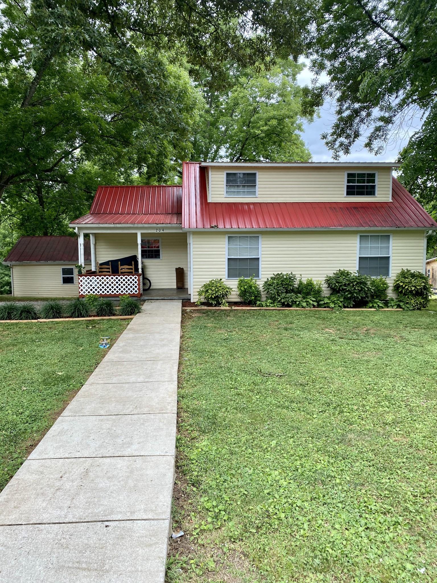 204 McClary St Property Photo - Decherd, TN real estate listing