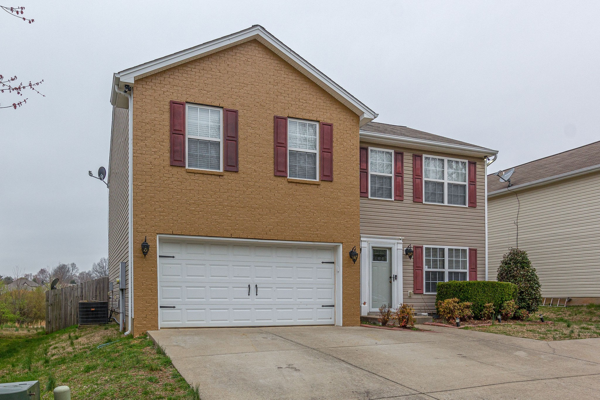 325 Golfview Ln Property Photo - Springfield, TN real estate listing