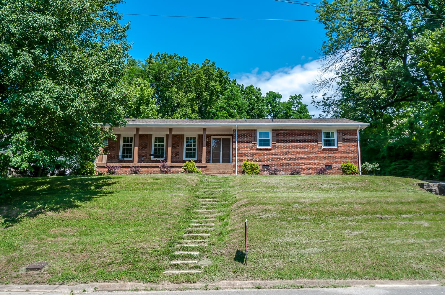 505 Shady Oak Dr Property Photo - Nashville, TN real estate listing