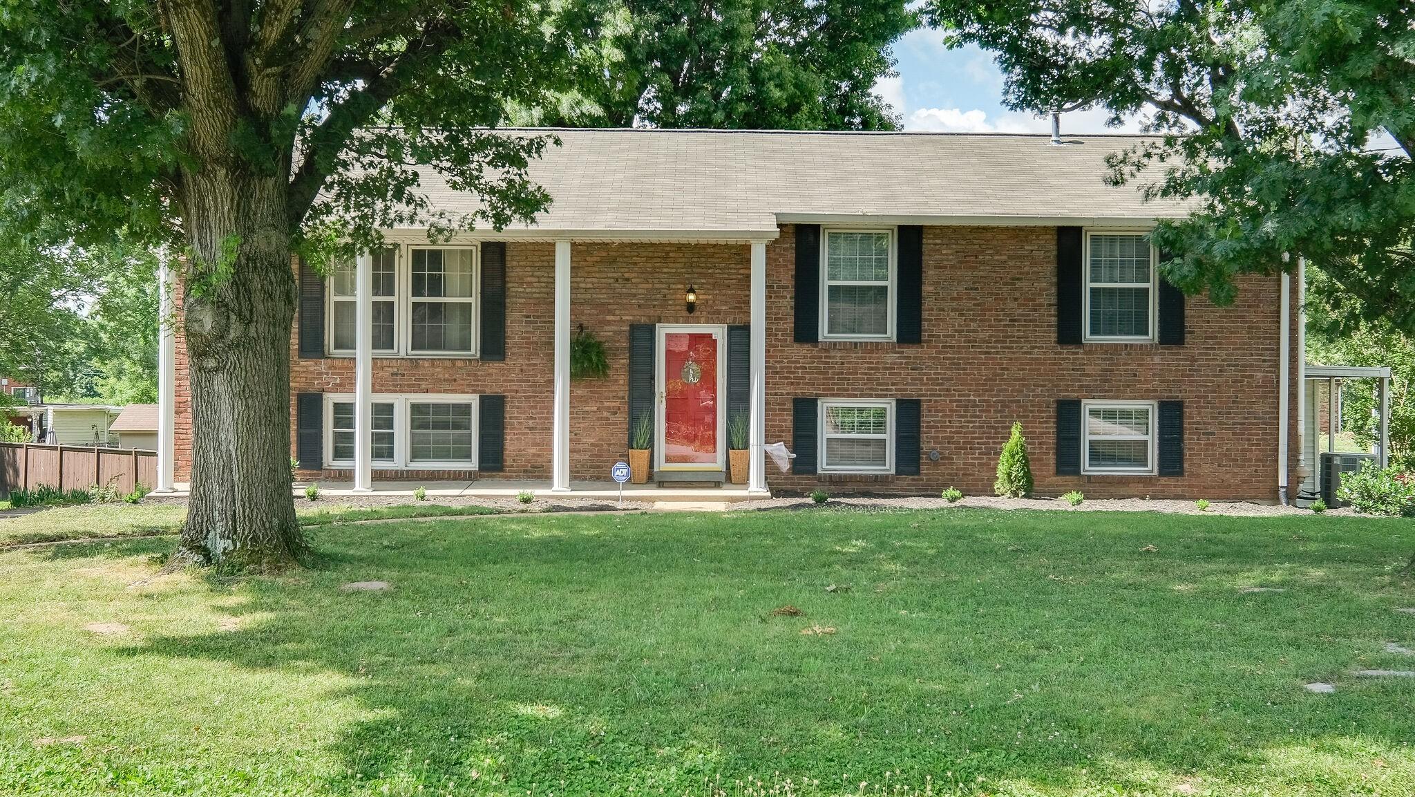 419 Lynn Drive Property Photo