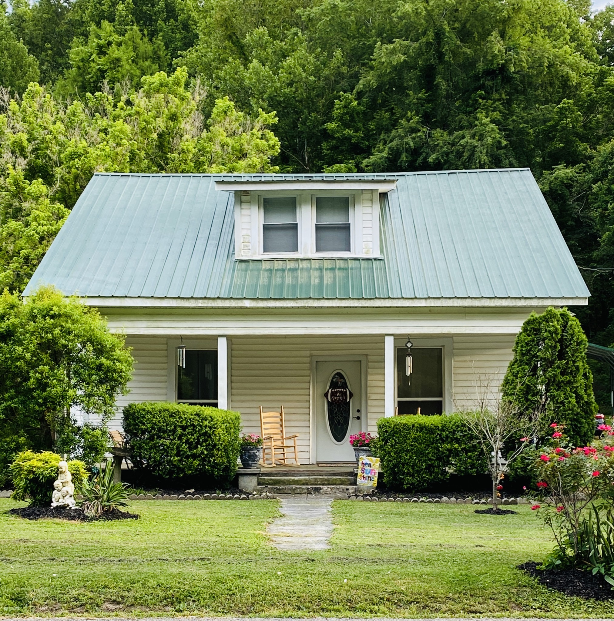 427 E Main St Property Photo - Red Boiling Springs, TN real estate listing