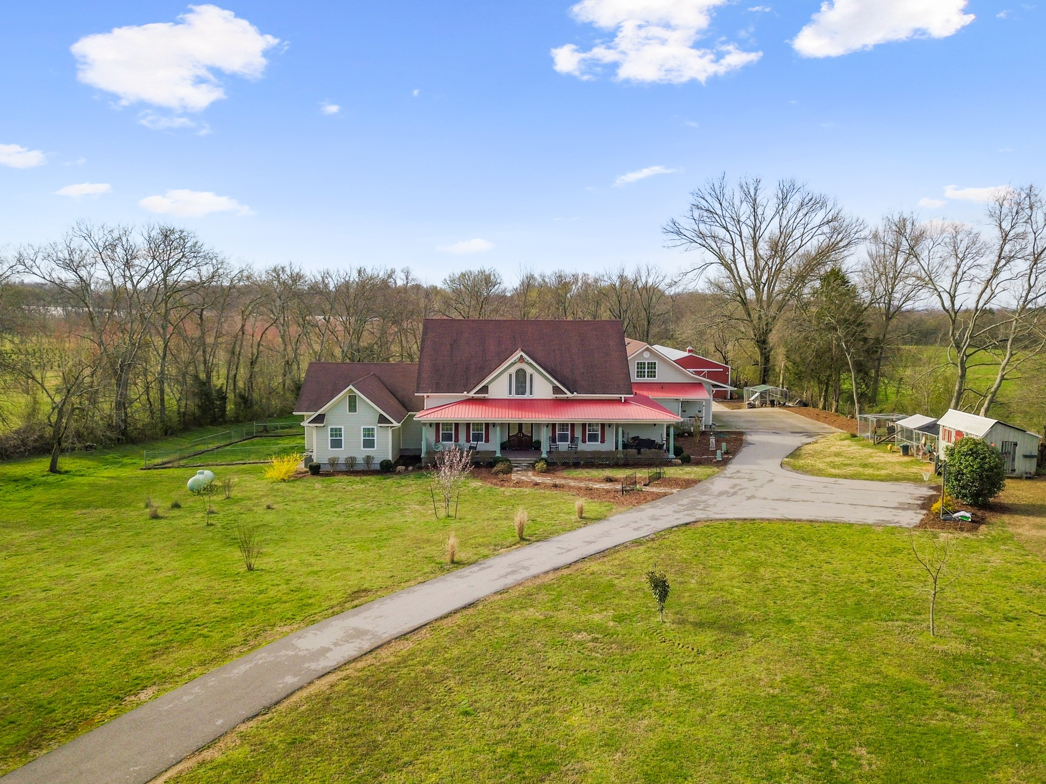 2833 Thompson Station Rd, E Property Photo - Thompsons Station, TN real estate listing