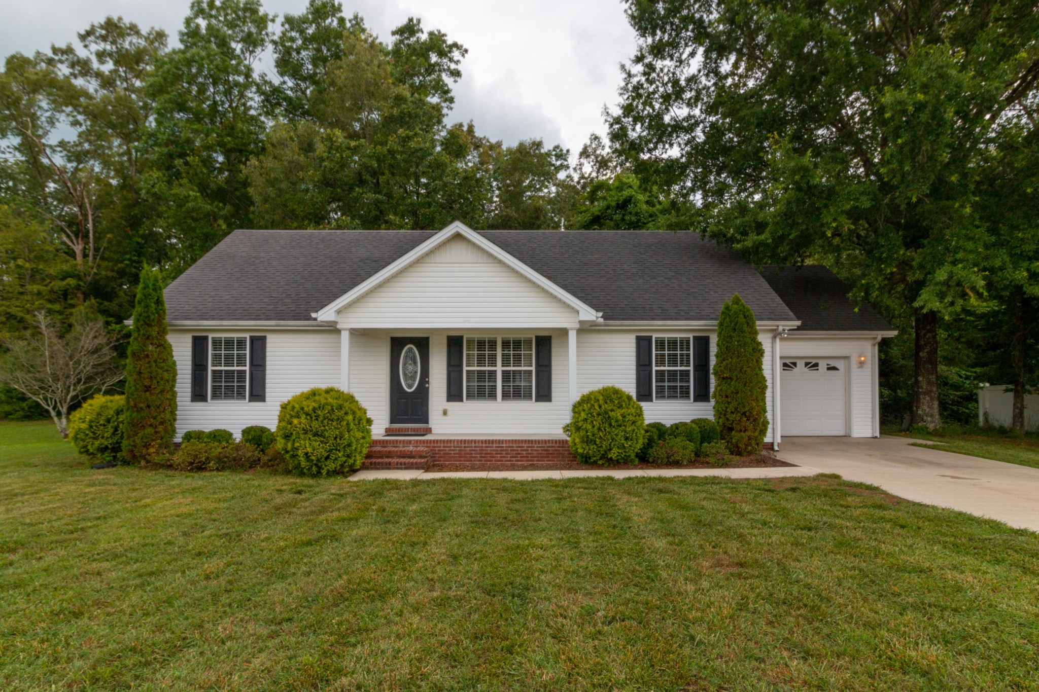 126 Lindsey Cir Property Photo - Tullahoma, TN real estate listing