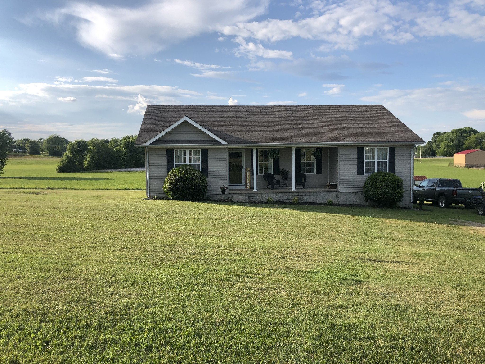 6644 Old Highway 52 Property Photo - Westmoreland, TN real estate listing
