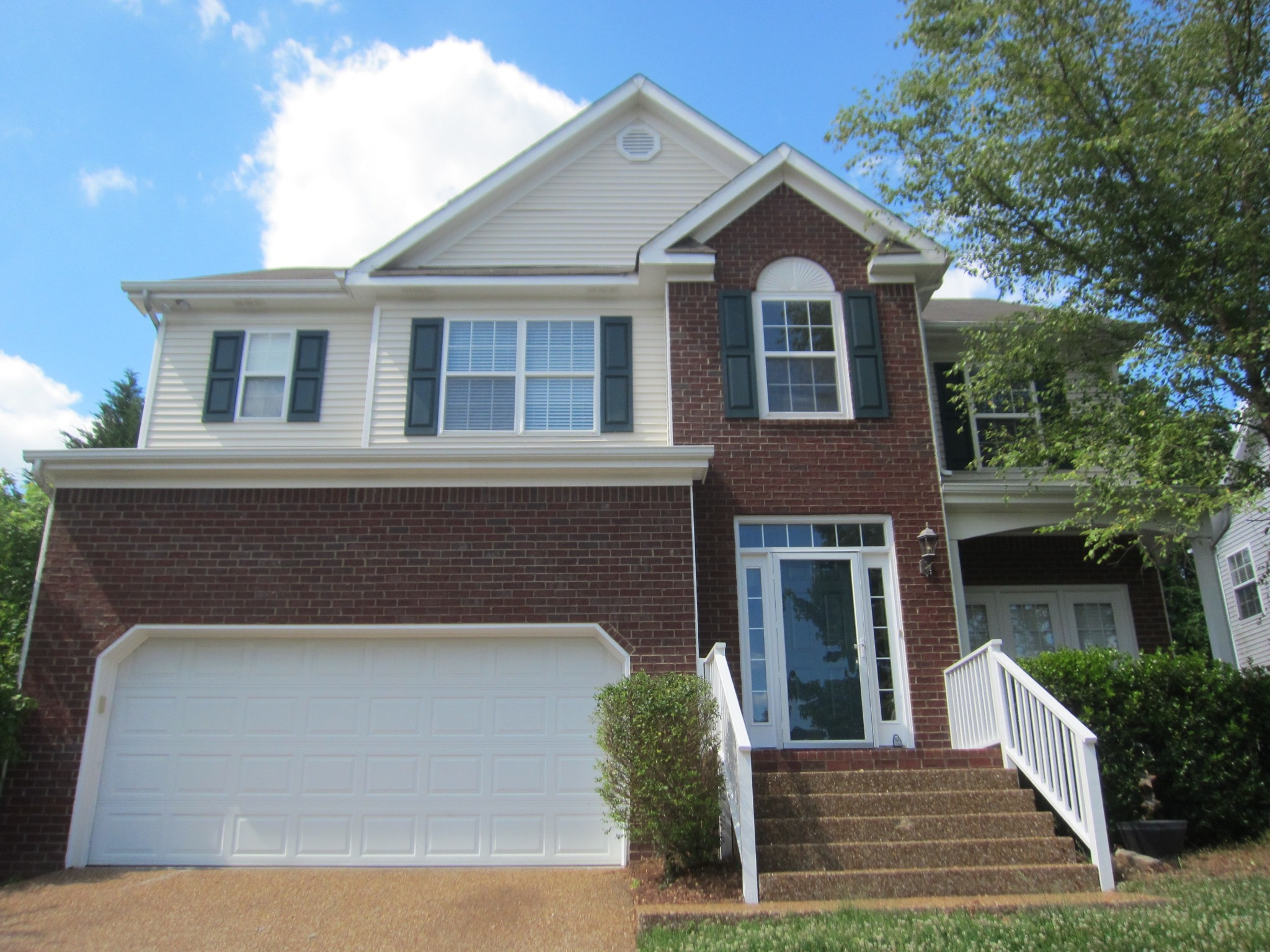 1325 Saybrook Crossing Property Photo - Thompsons Station, TN real estate listing