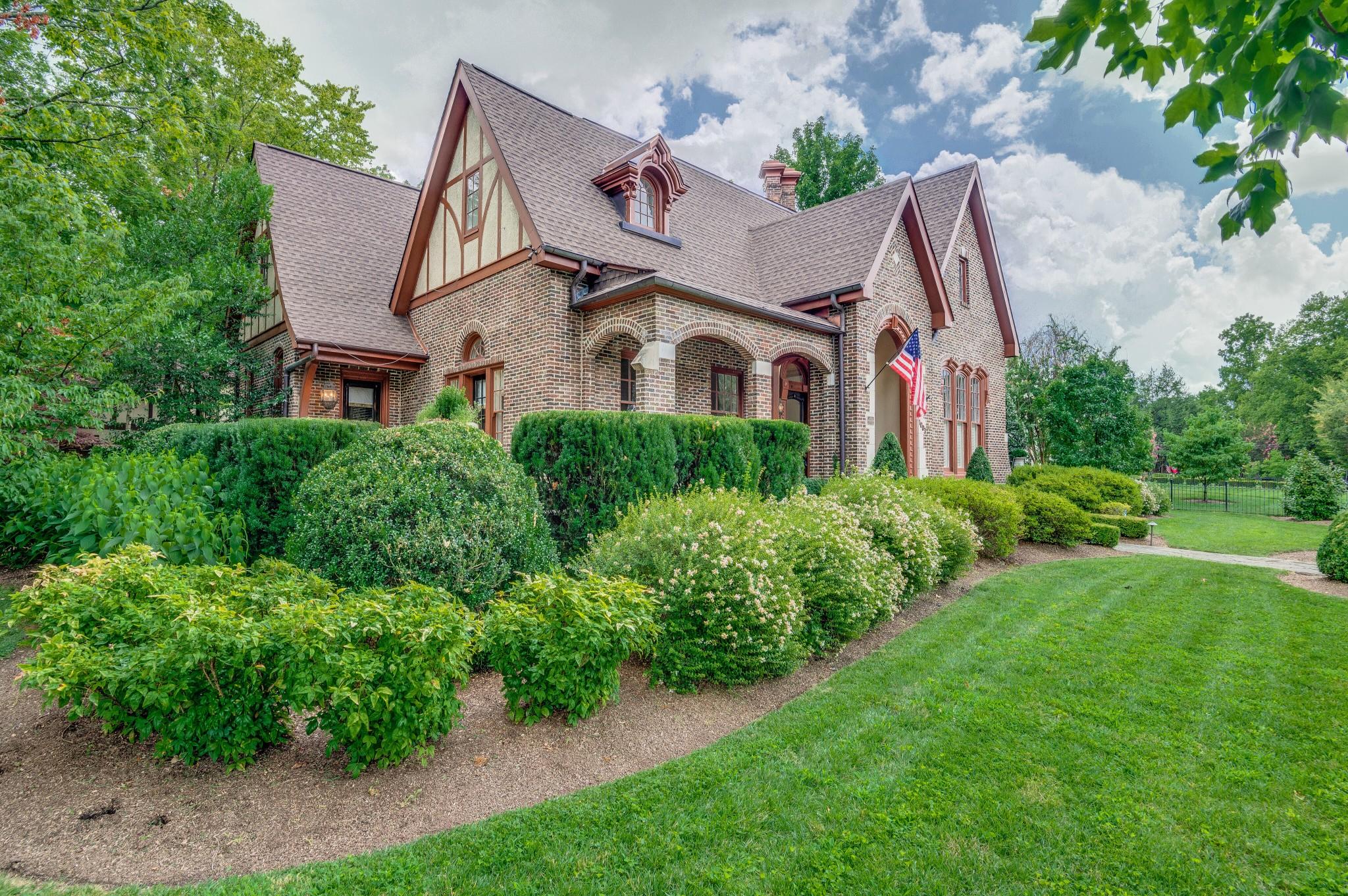 1003 W Main St Property Photo