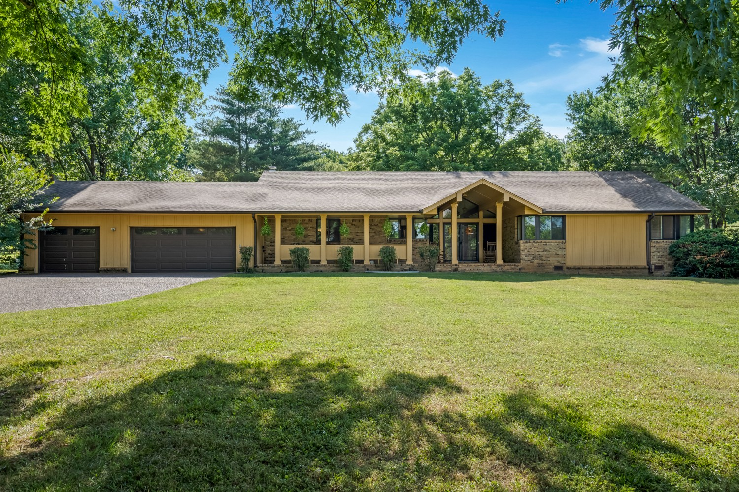 127 Suncrest Dr Property Photo - LA VERGNE, TN real estate listing