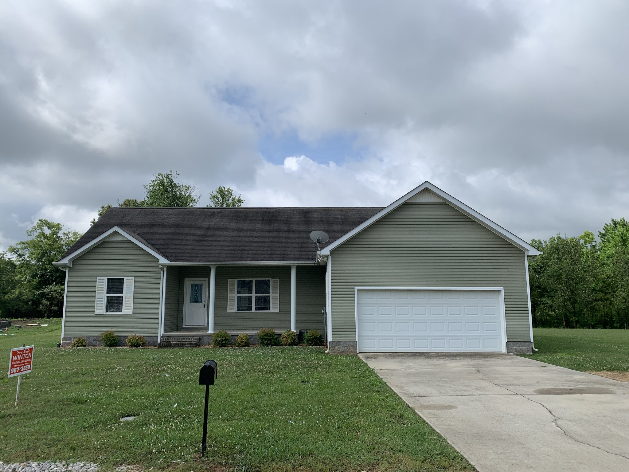 38 Troy Ct Property Photo - Winchester, TN real estate listing