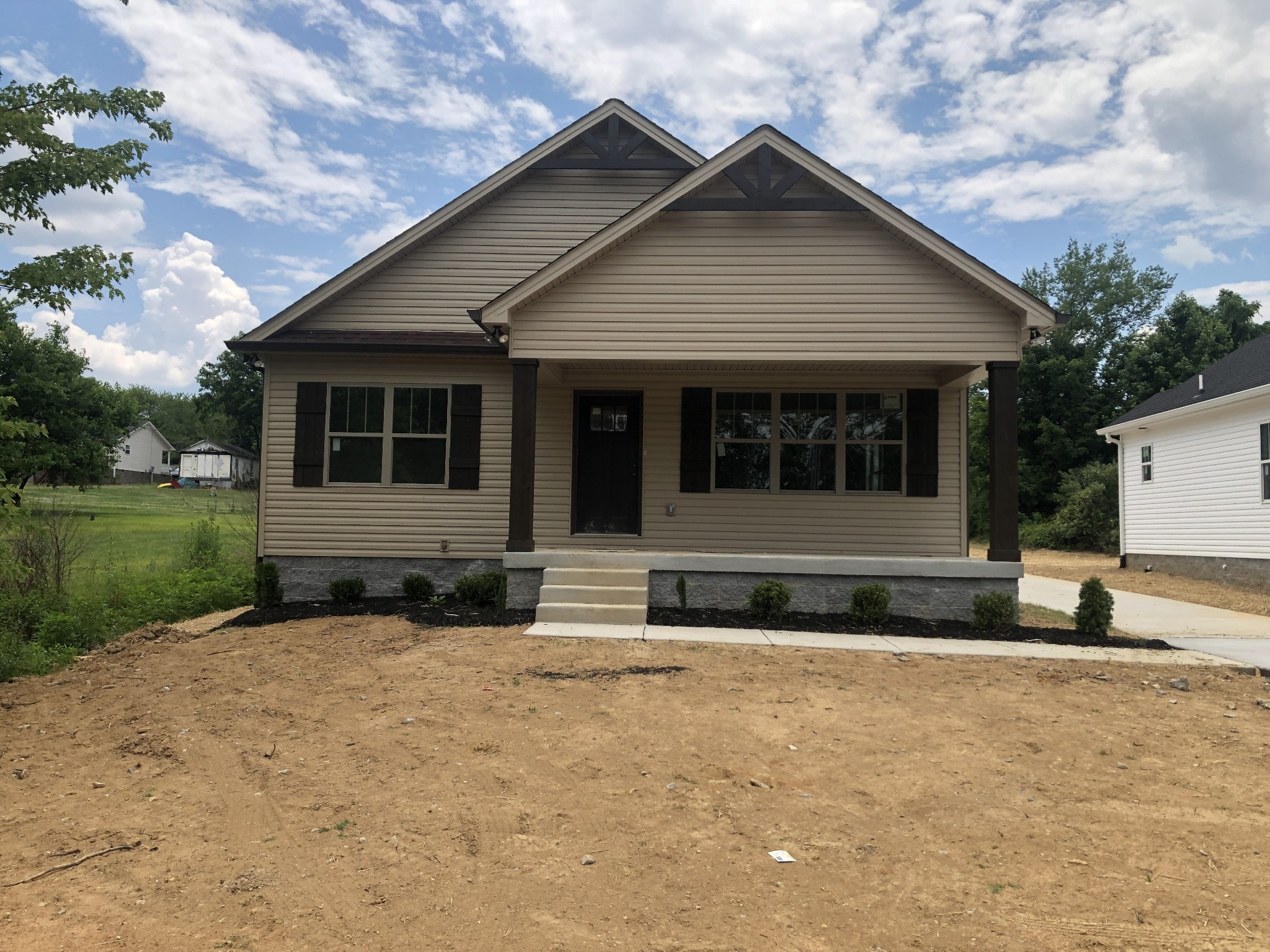 2405 17th Ave E Property Photo - Springfield, TN real estate listing