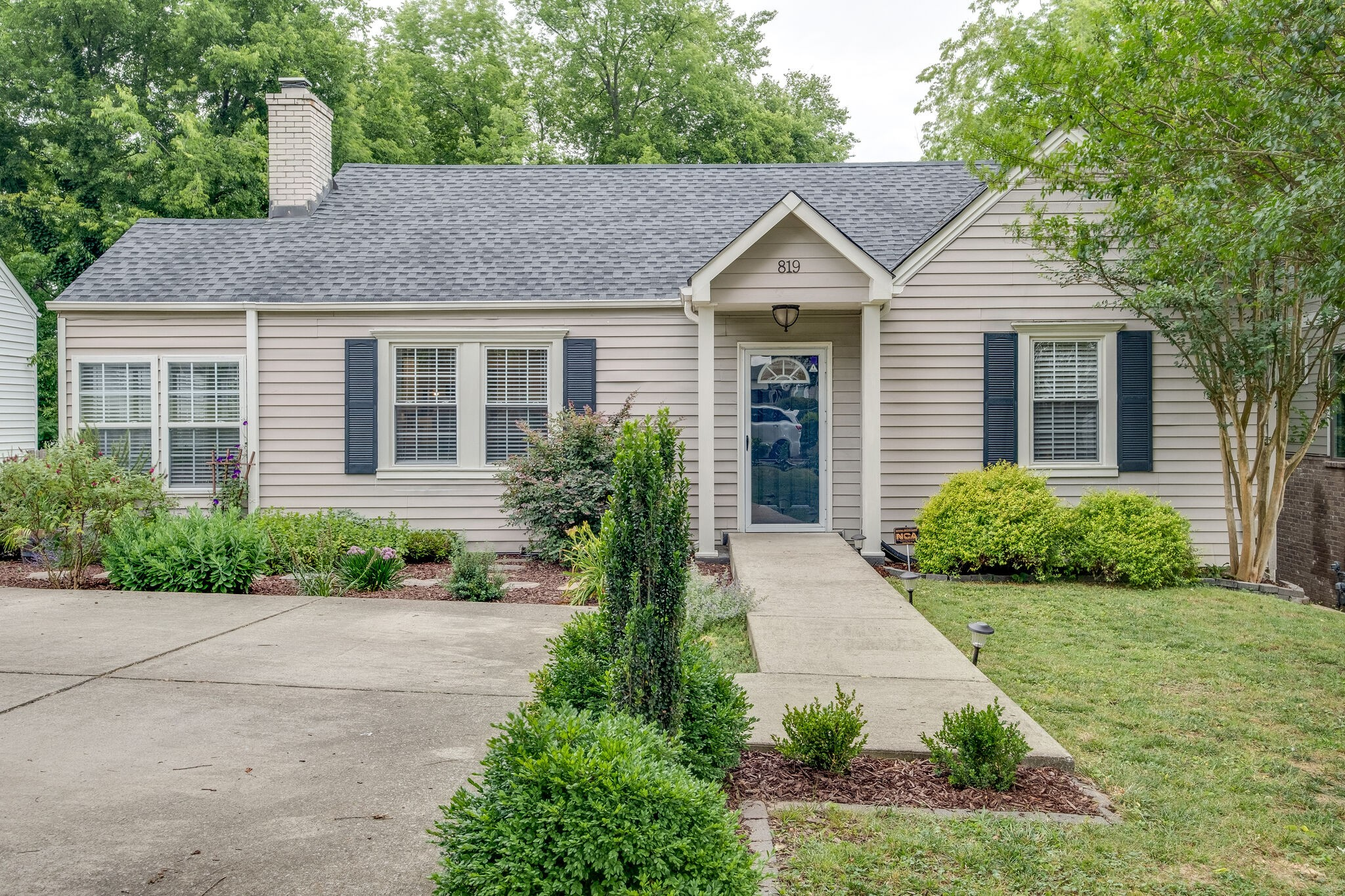 819 Dewees Ave Property Photo - Nashville, TN real estate listing