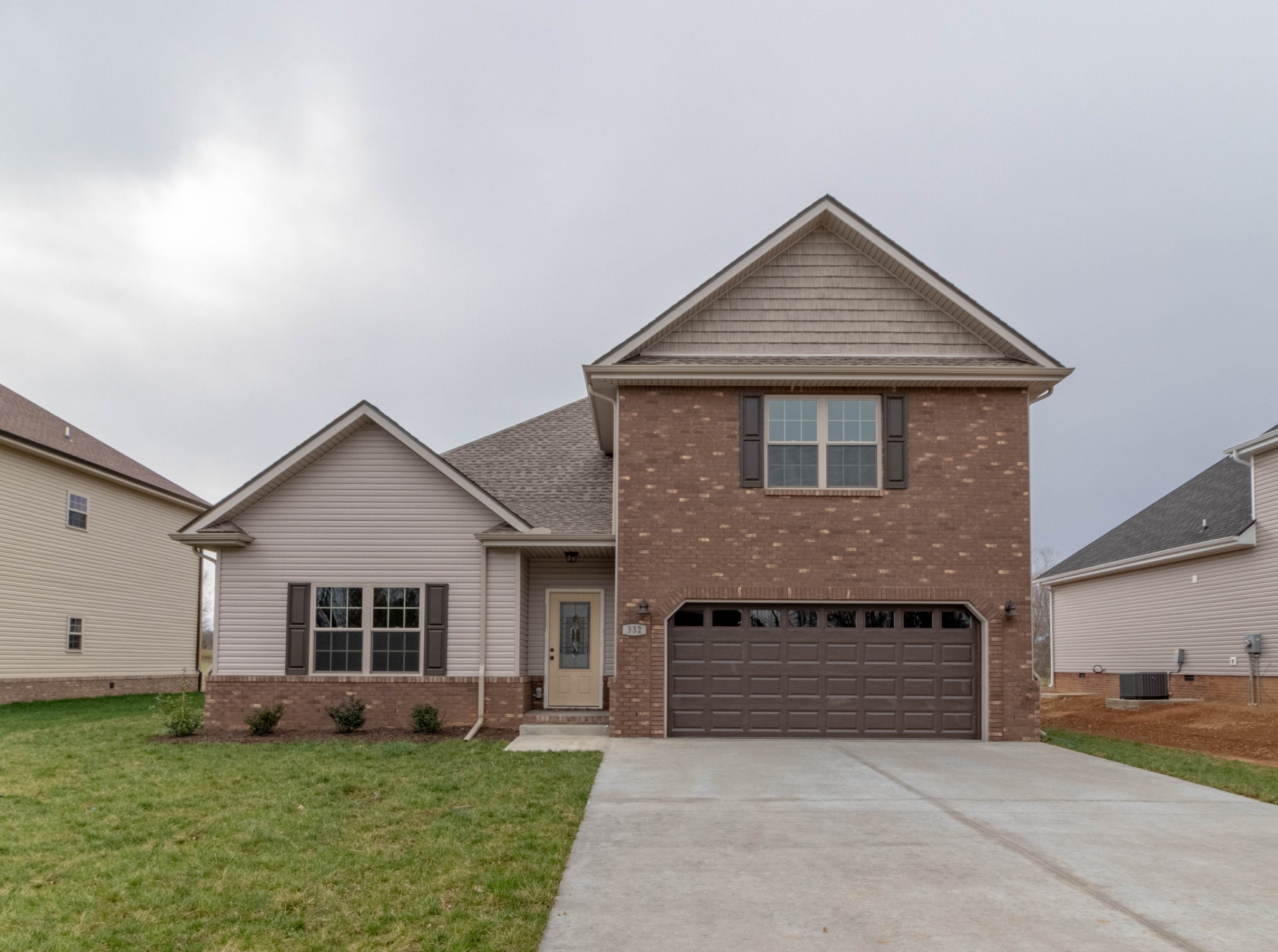 333 Chase Dr Property Photo - Clarksville, TN real estate listing