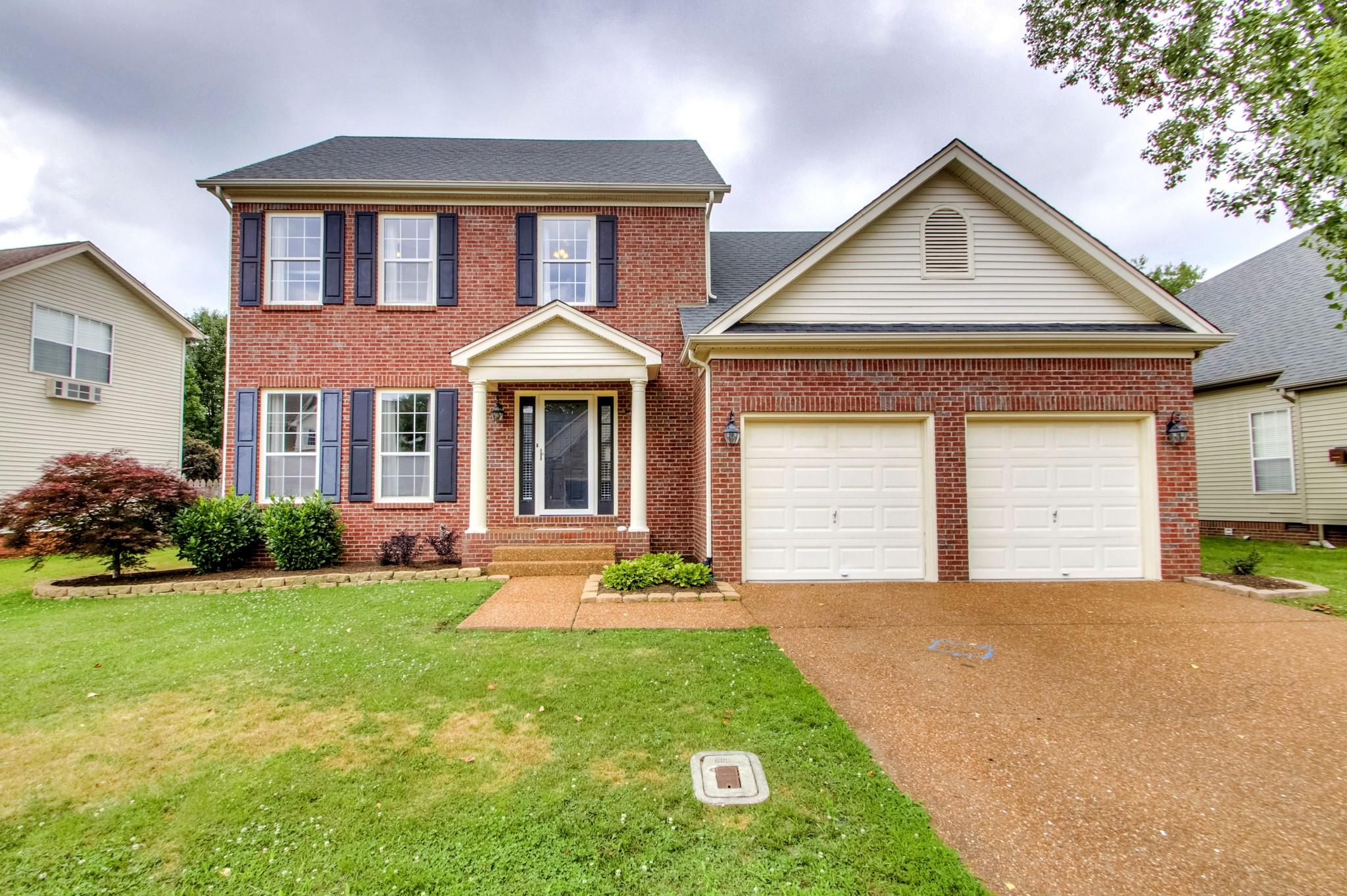2035 Glastonbury Dr Property Photo - Franklin, TN real estate listing