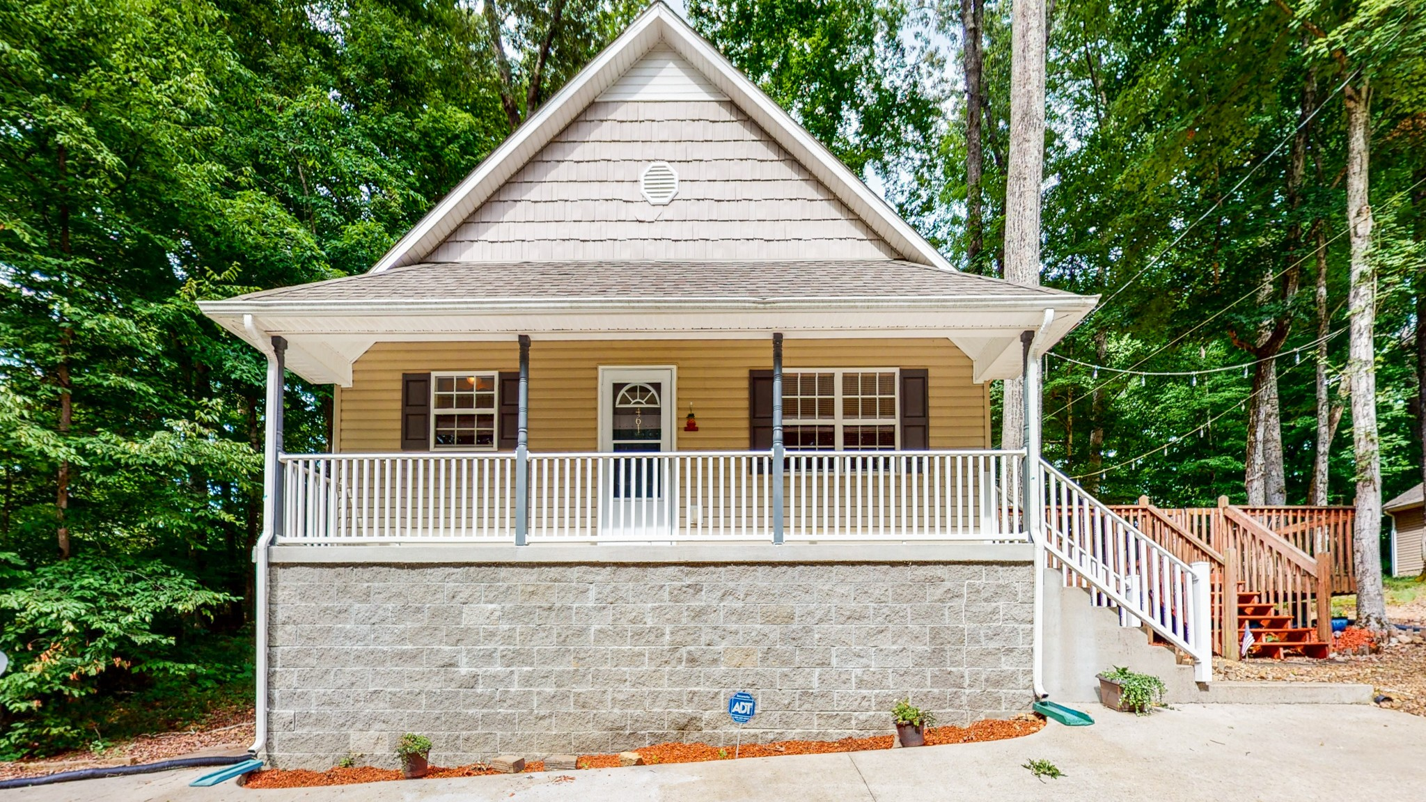 461 Lakeshore Dr Property Photo - Dover, TN real estate listing