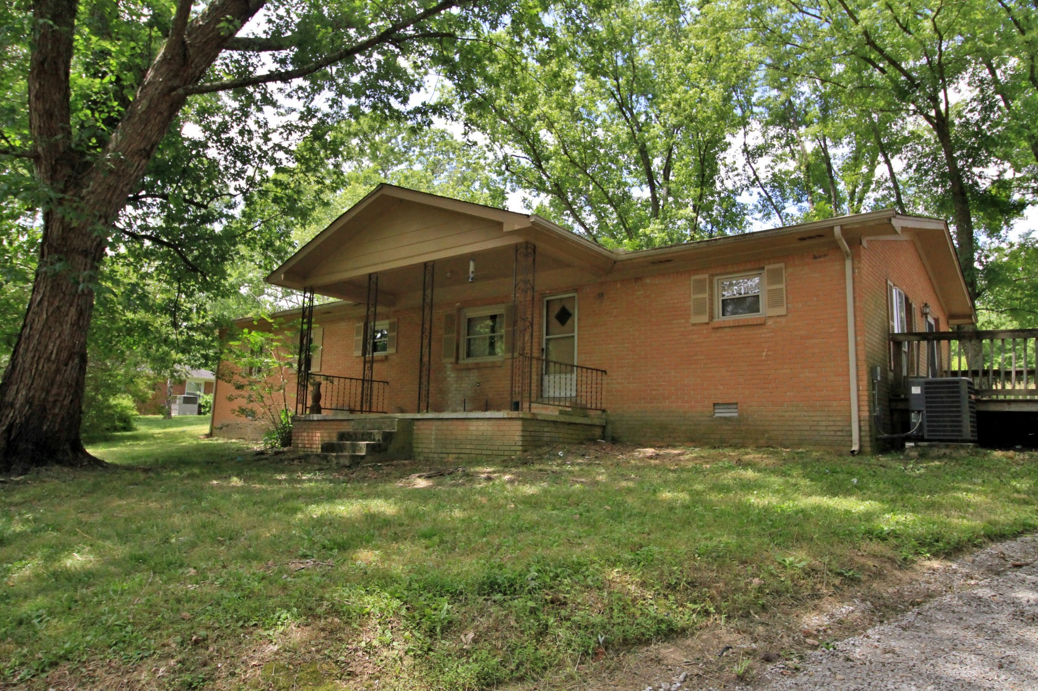 3029b Old Highway 31E E Property Photo - Westmoreland, TN real estate listing