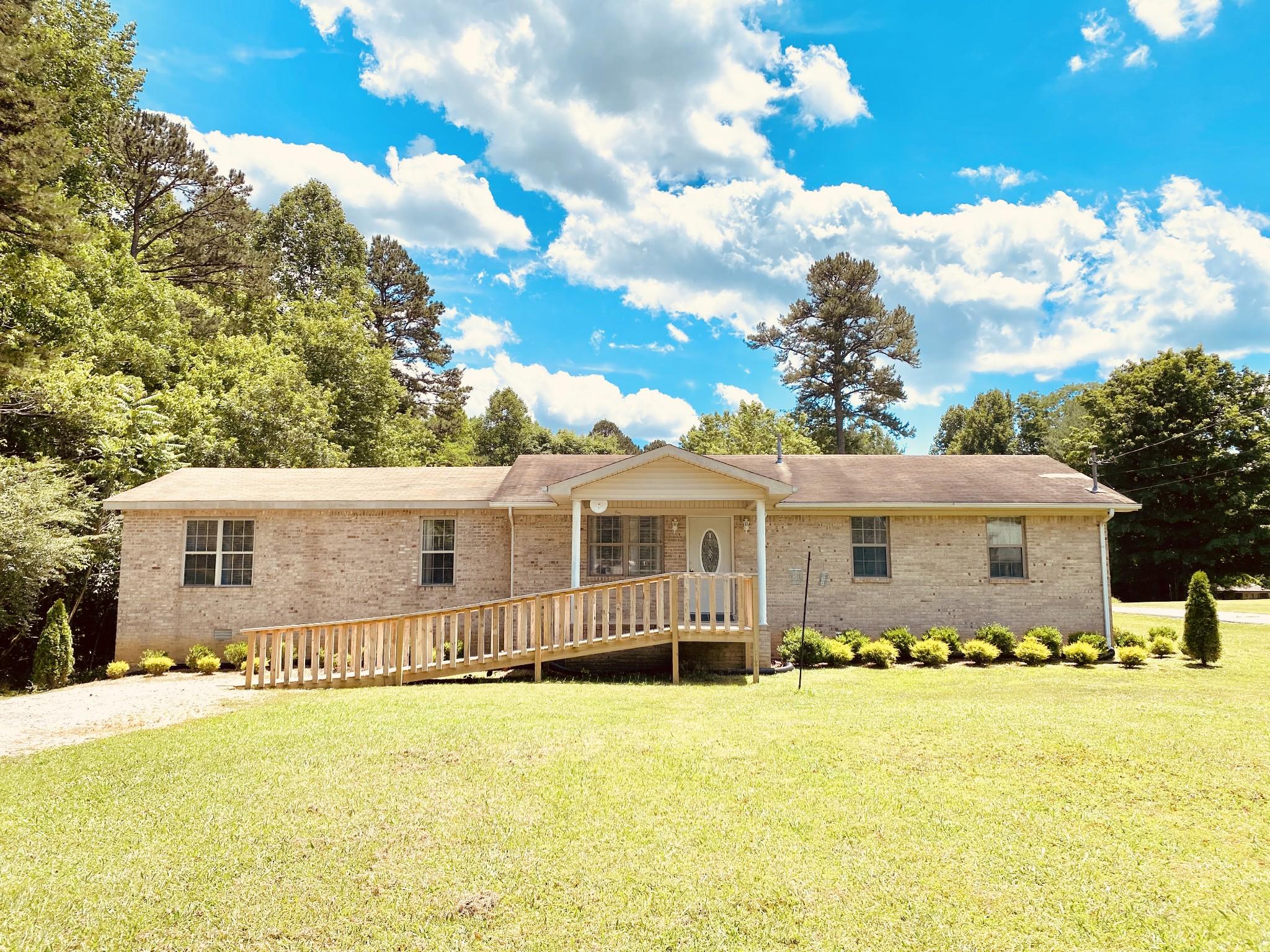 1001 King Ridge Rd Property Photo - Dowelltown, TN real estate listing