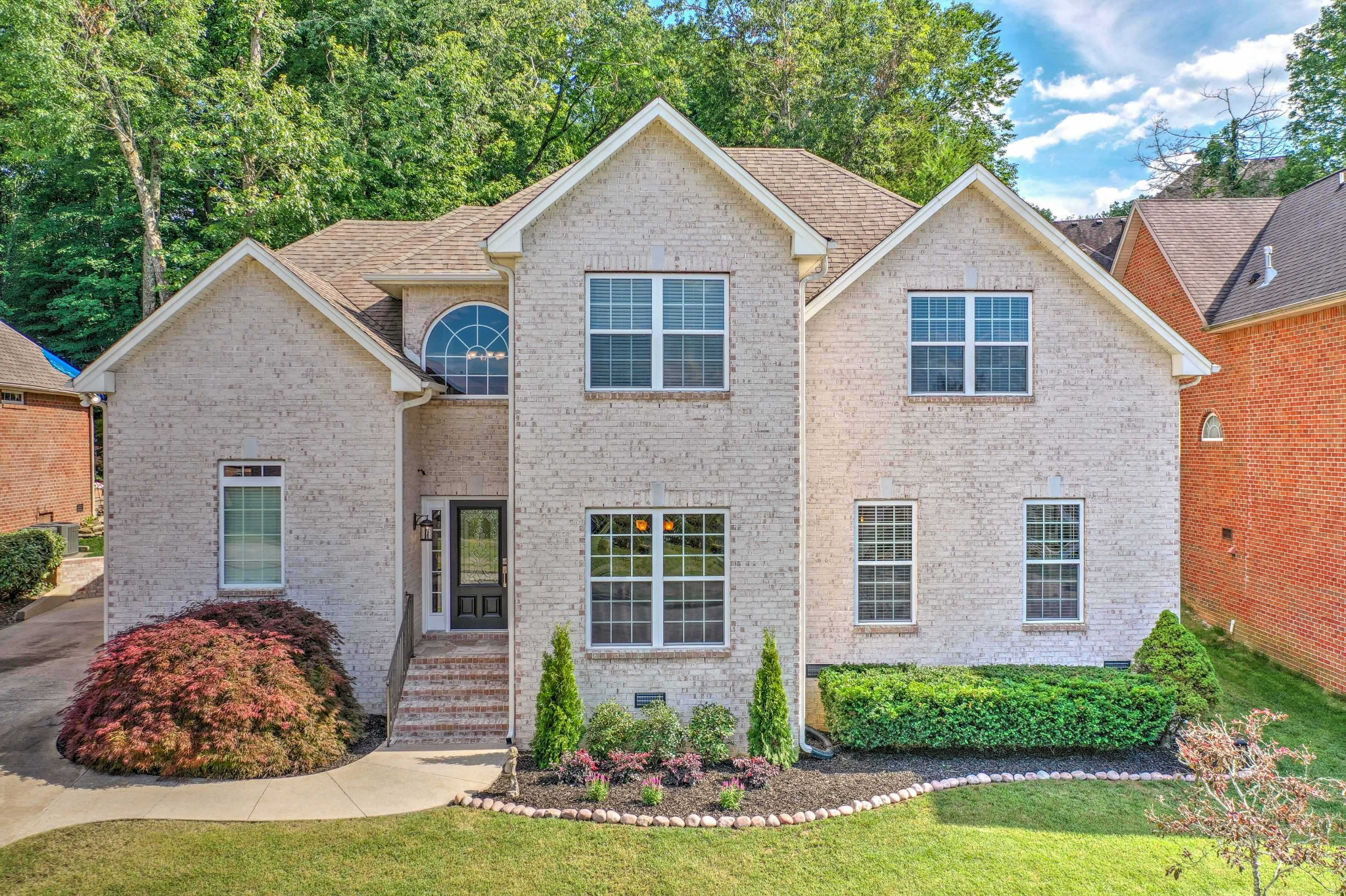 1308 Weeping Cherry Ln Property Photo - Hermitage, TN real estate listing