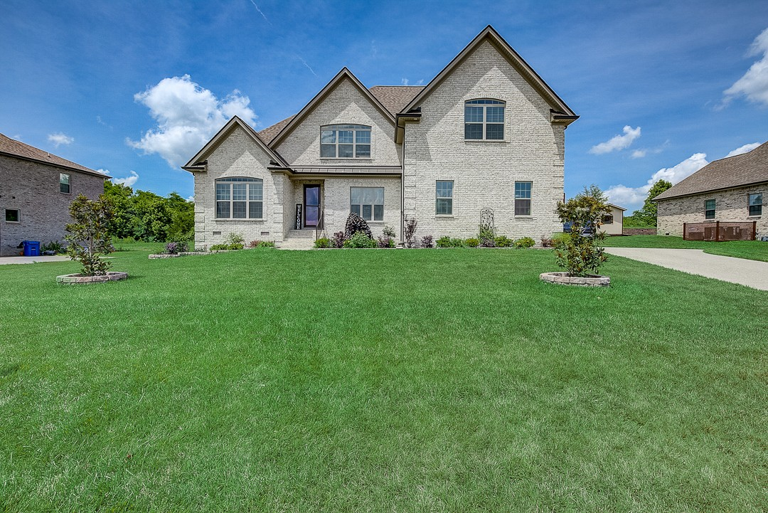 213 Mcgreevy Dr Property Photo